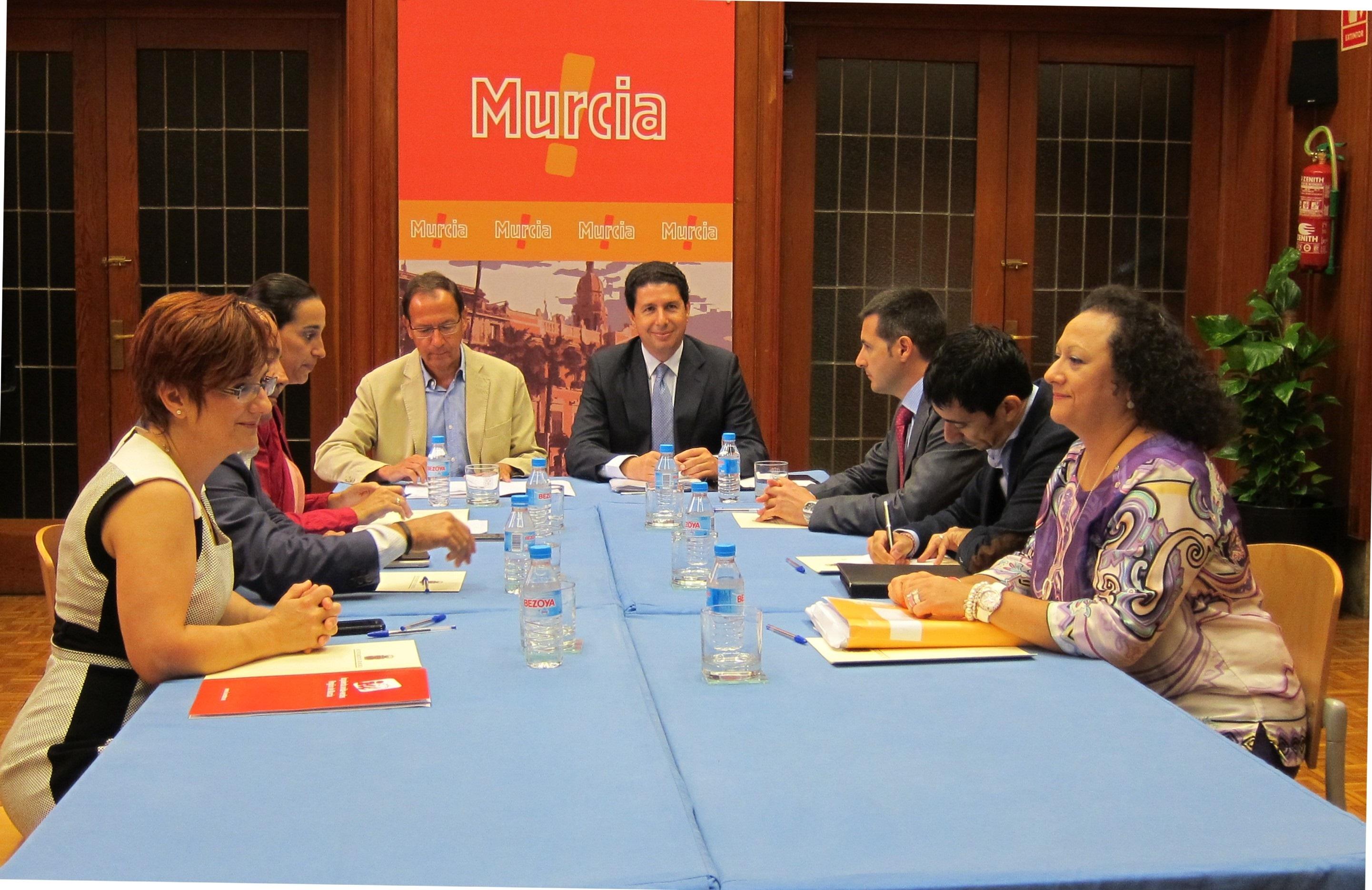 Los cuatro grupos municipales defienden Estación de El Carmen, el soterramiento de vías y provisionalidad de Los Dolores