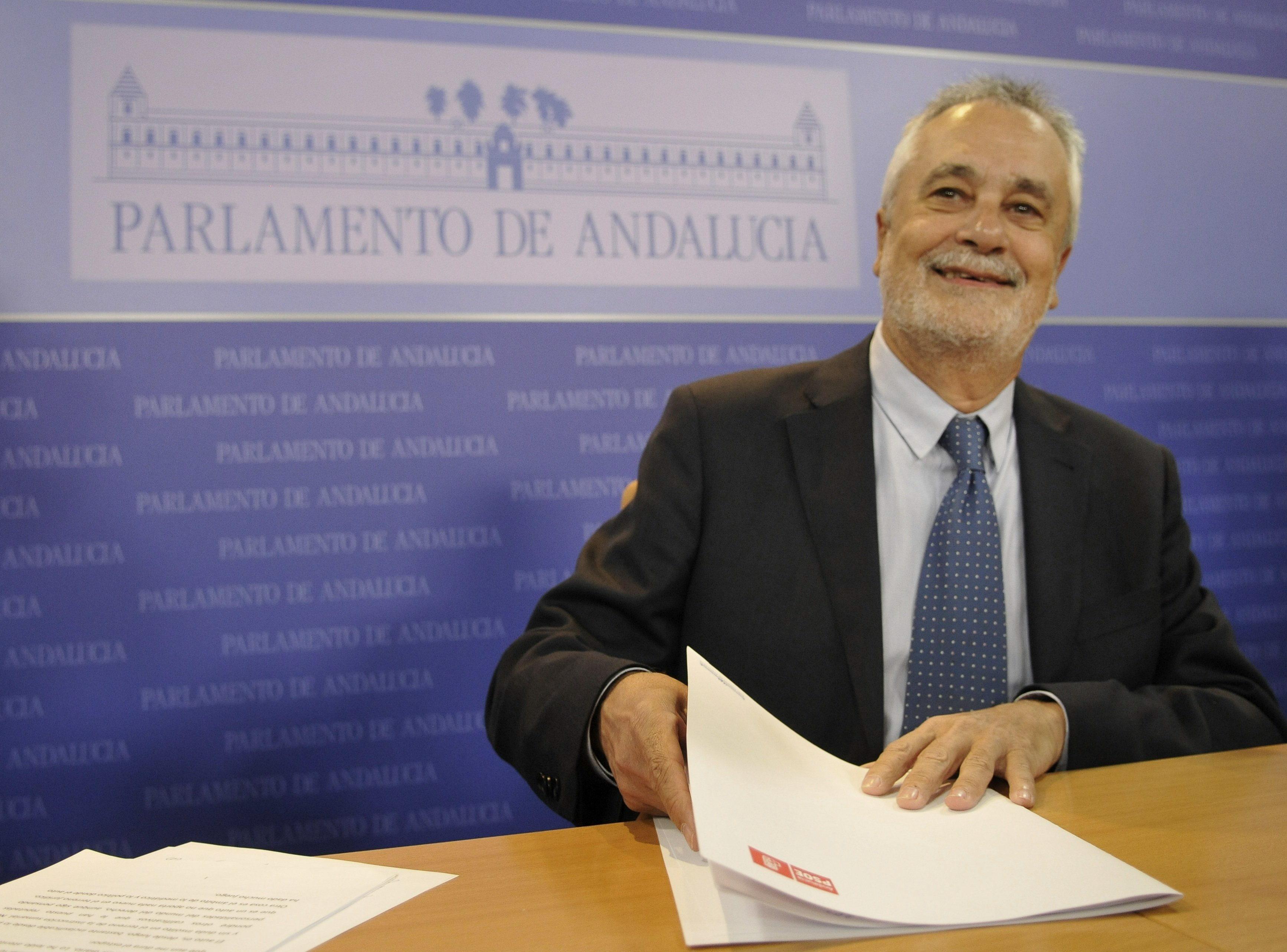 Griñán, elegido senador en representación de Andalucía sin el apoyo del PP