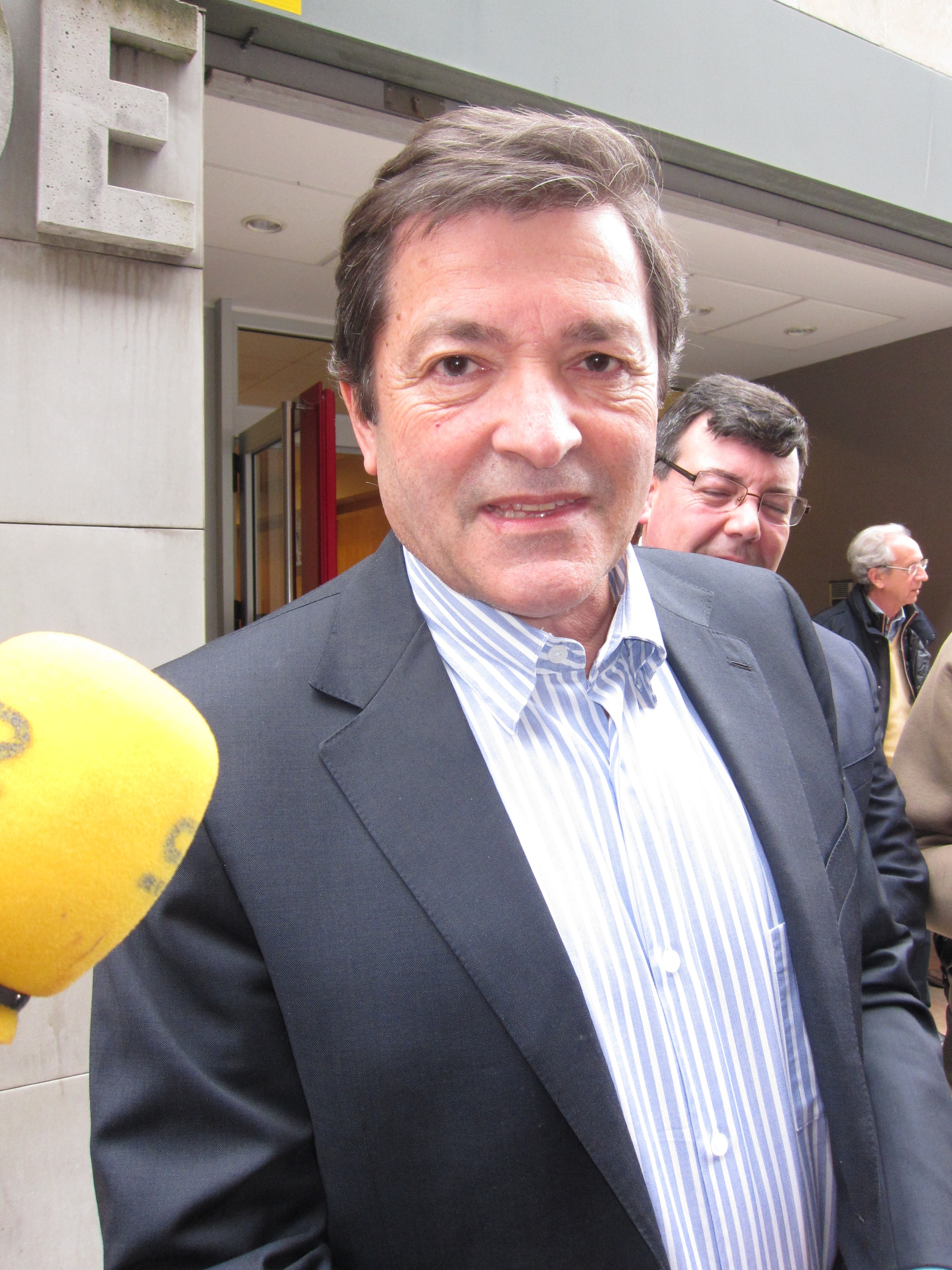 Javier Fernández no ve razones para el cierre de la planta asturiana de Tenneco
