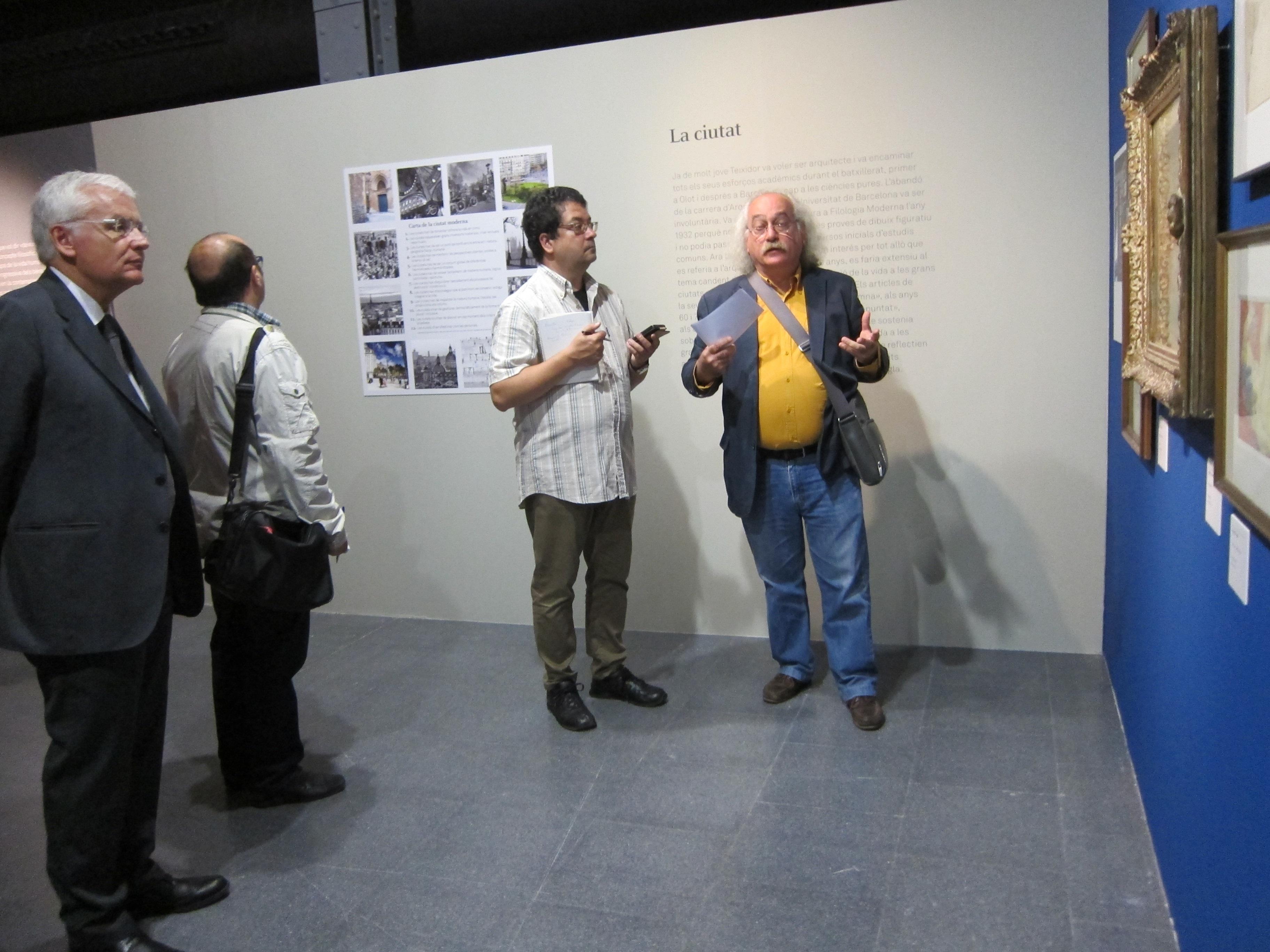 El MHC rescata al poeta Joan Teixidor y corrige sus «nubes negras» en una exposición