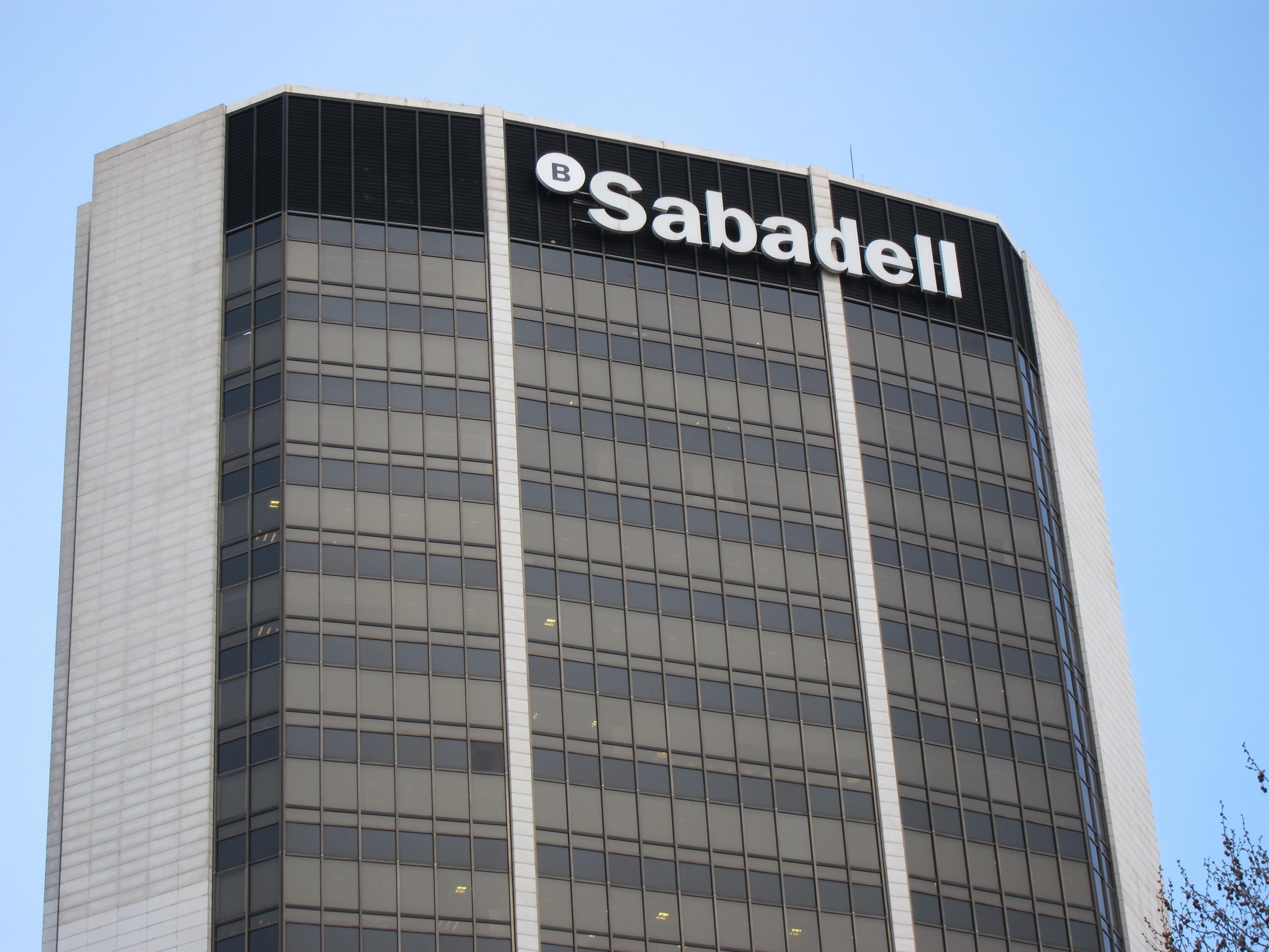 S&P mantiene a Banco Sabadell la calificación »BB» con perspectiva negativa tras ampliar capital