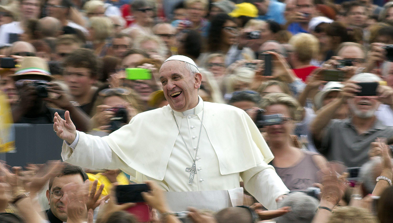El papa dice que la idea de familia de la Iglesia es la unión de hombre-mujer