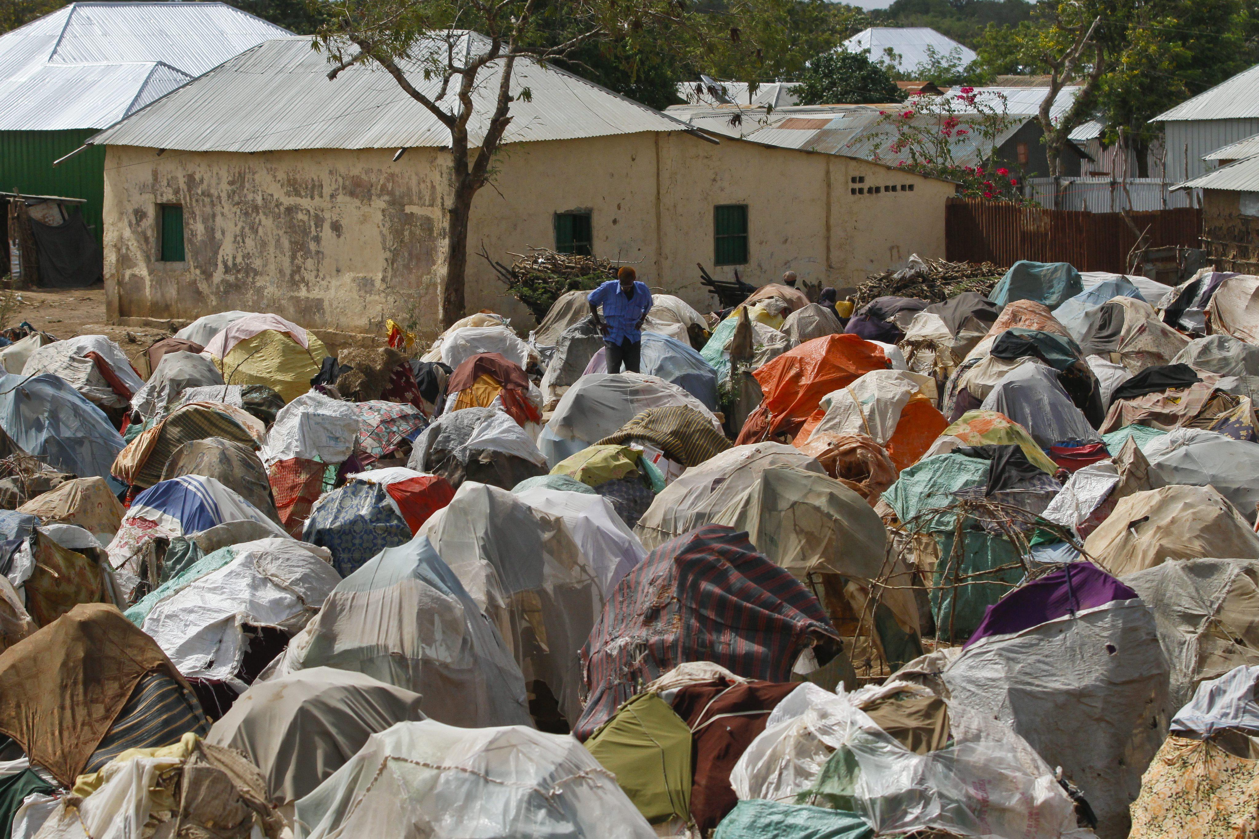 AI denuncia el desalojo de miles de refugiados para limpiar Mogadiscio