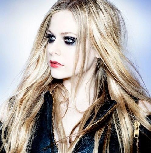 Avril Lavigne lanza su quinto álbum de estudio el 5 de noviembre