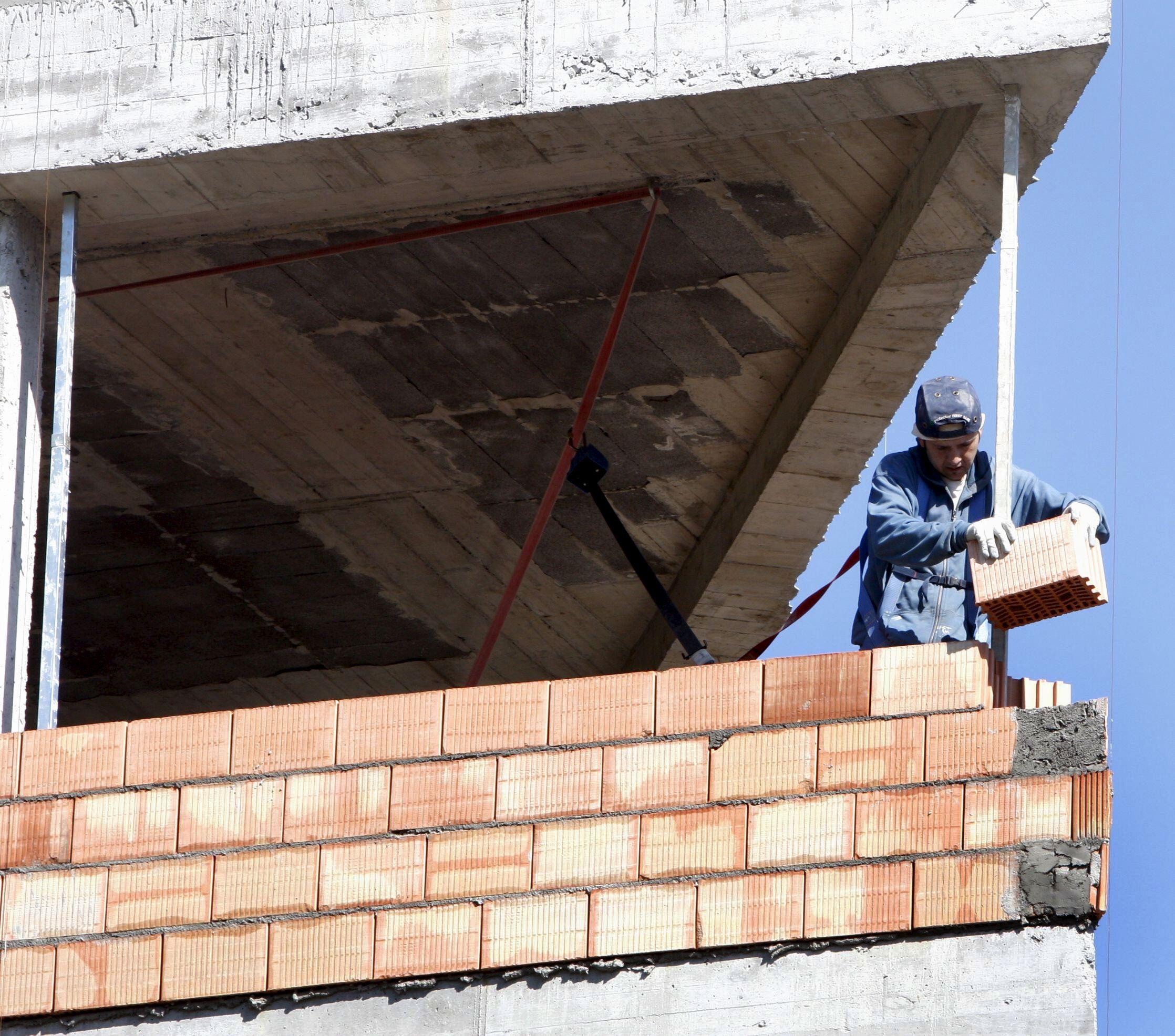 La CEOE cree que no se creará empleo hasta la segunda mitad de 2014