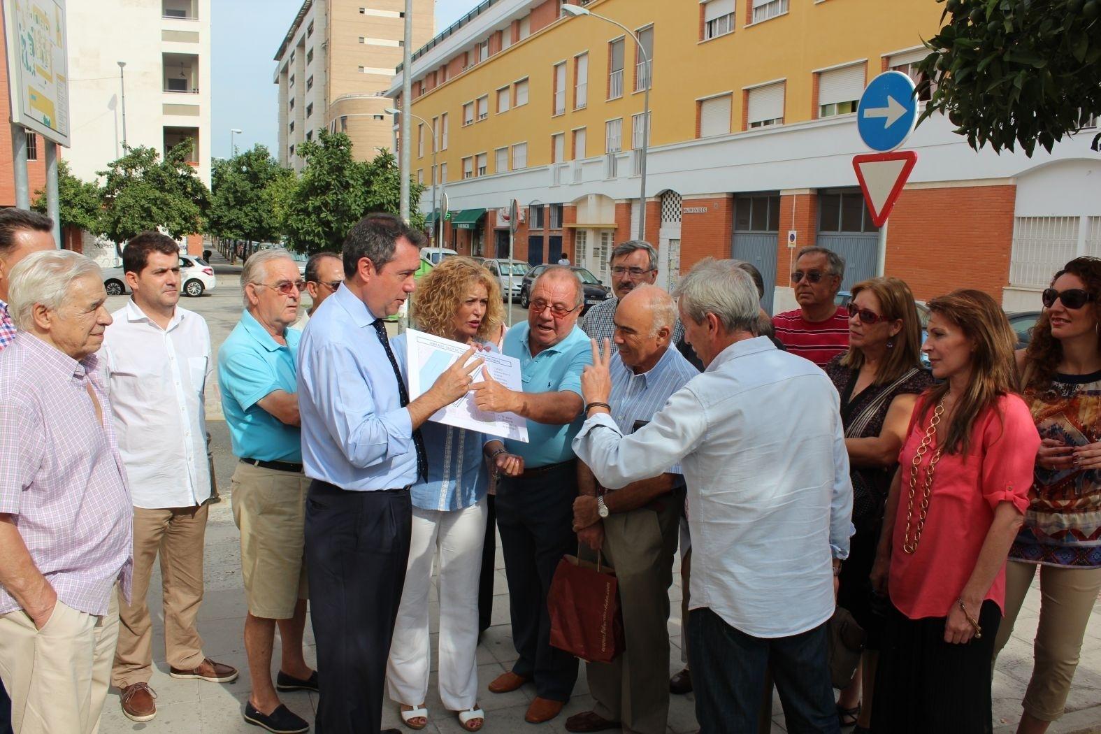 Espadas pide no «hipotecar» Macarena durante 10 años mientras vecinos plantean una plataforma contra zona azul
