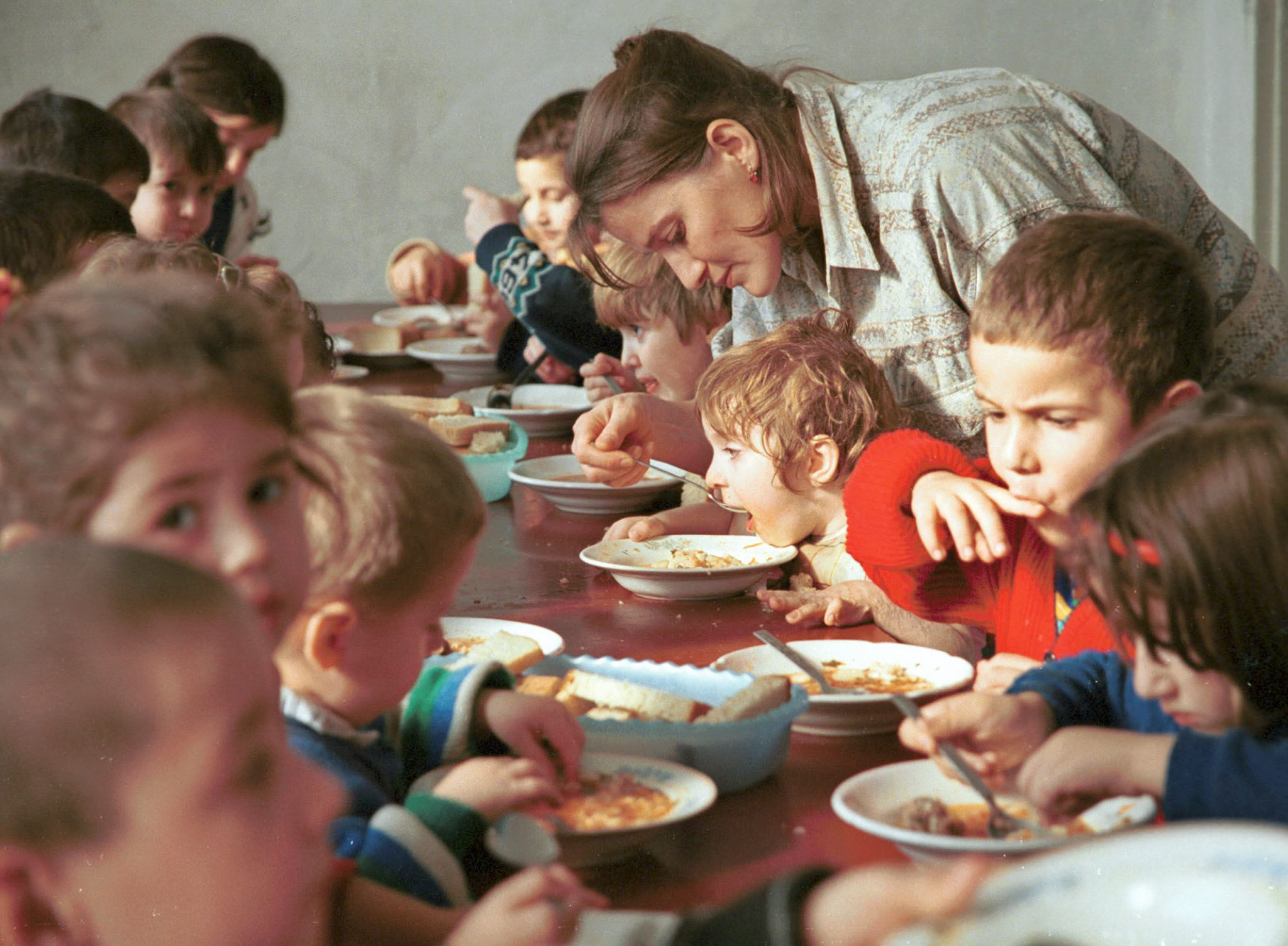 España ultima una solución para desbloquear las adopciones con Rusia