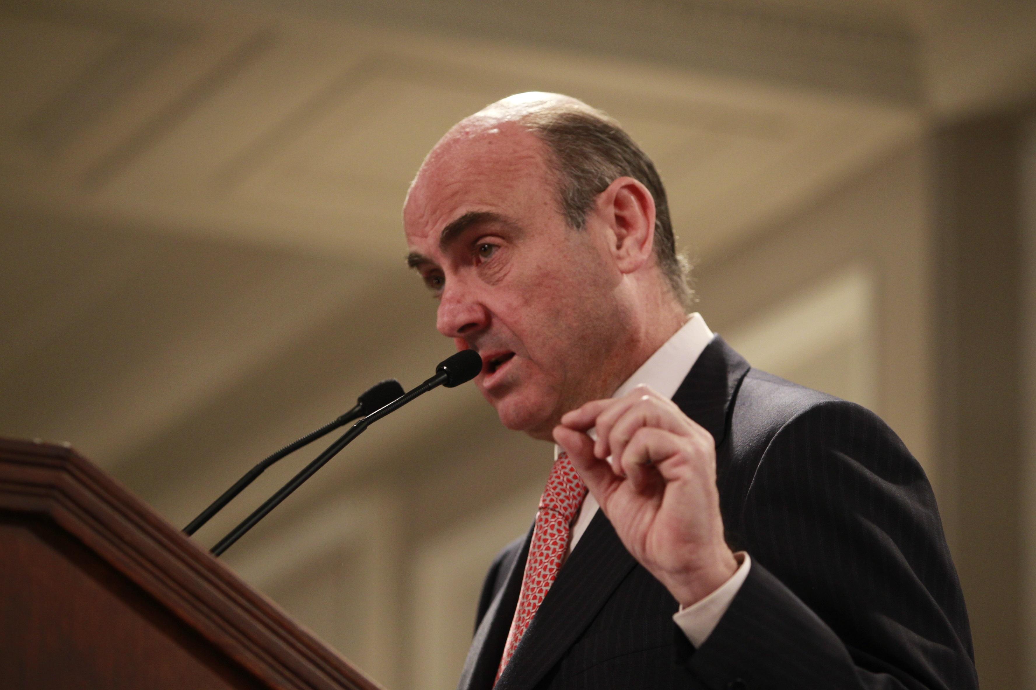 Guindos dice que España y Cataluña son «más fuertes» unidas que separadas