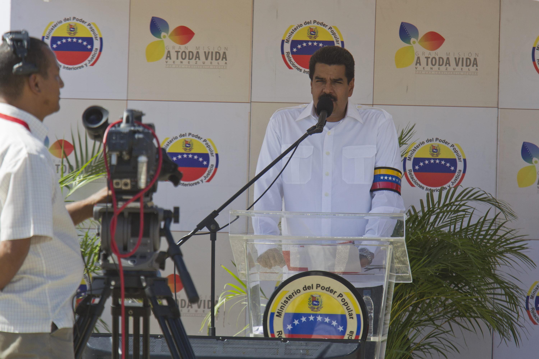 Maduro crea un «órgano superior» para neutralizar «sabotaje» contra economía