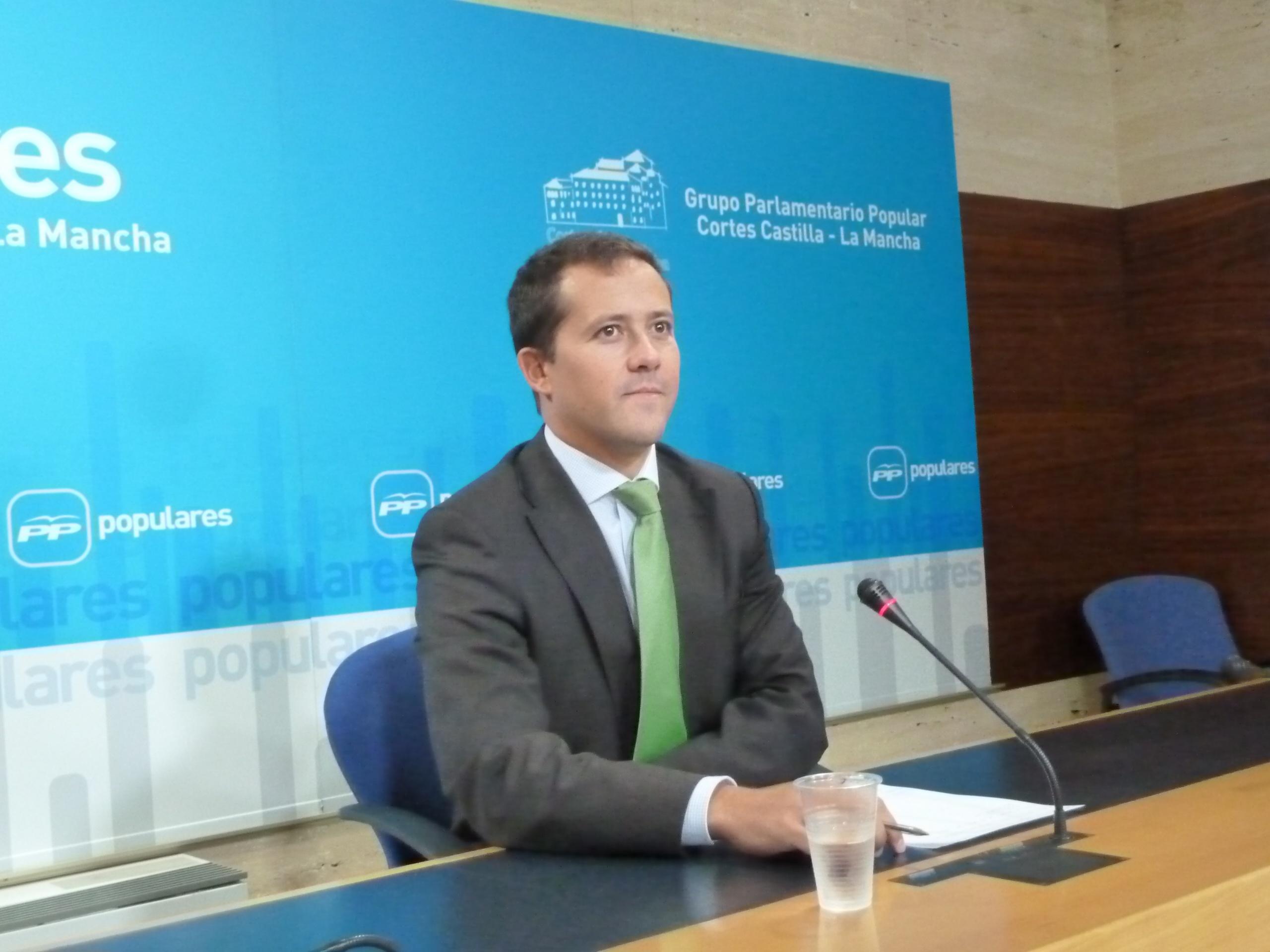 El PP pide a PSOE que actúe «con más prudencia y no alarme» porque la dependencia está «infinitamente mejor» que en 2011