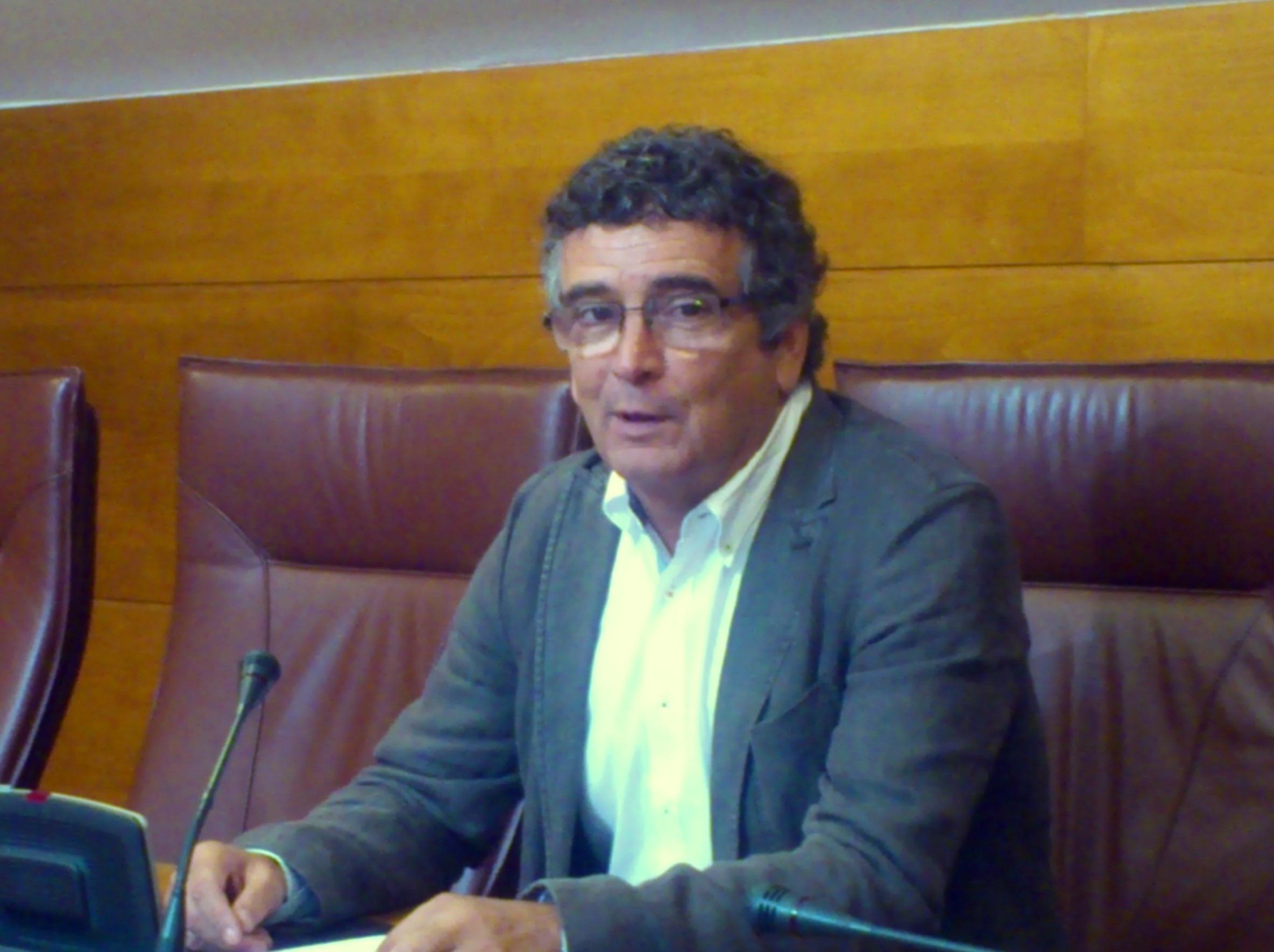 El PSOE advierte del «deterioro general» del tejido empresarial e industrial por la «parálisis» del Gobierno