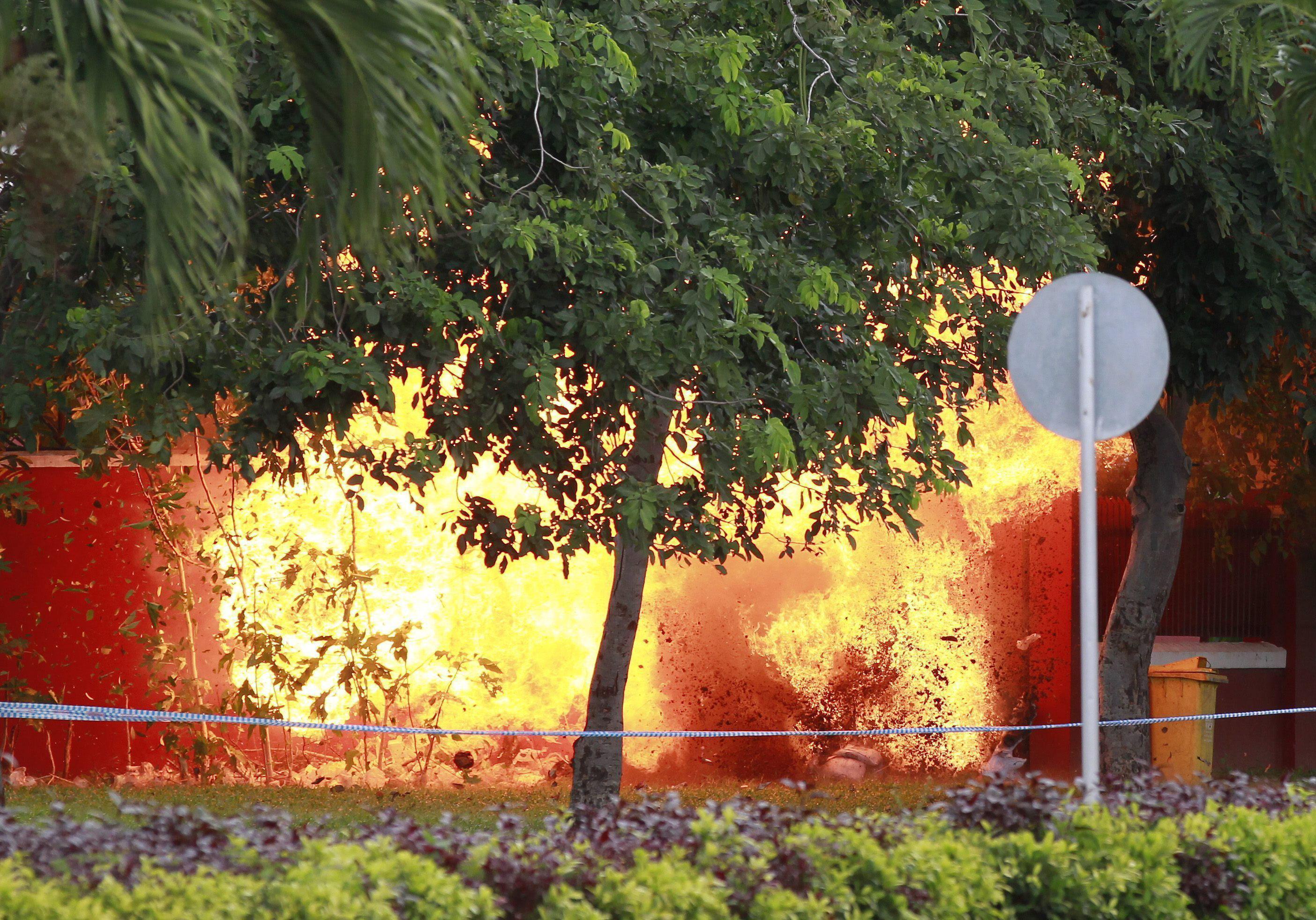 La Policía detona un explosivo hallado en la Asamblea Nacional de Camboya