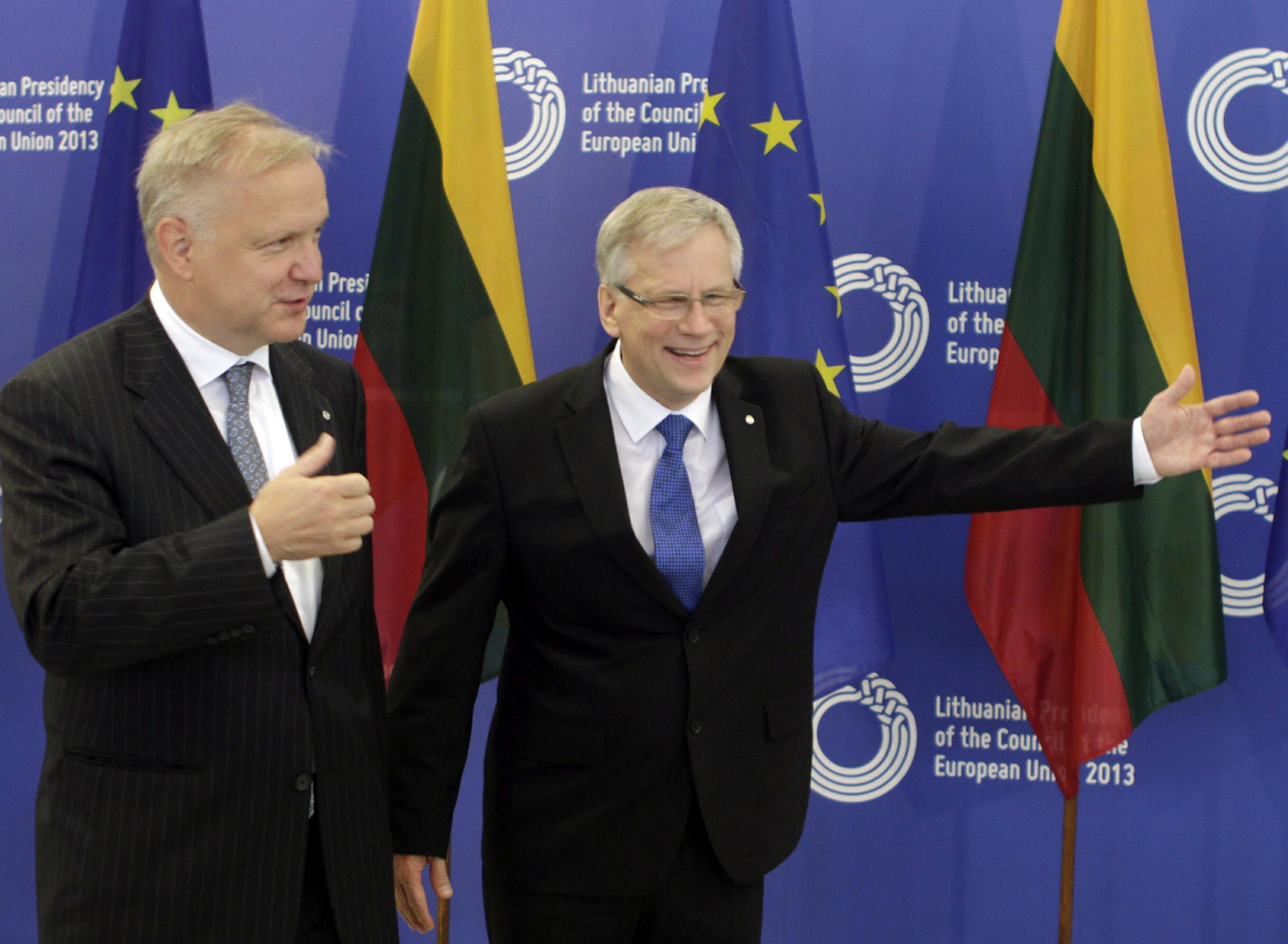 Rehn advierte que «no es el momento de gritar que la crisis está resuelta»