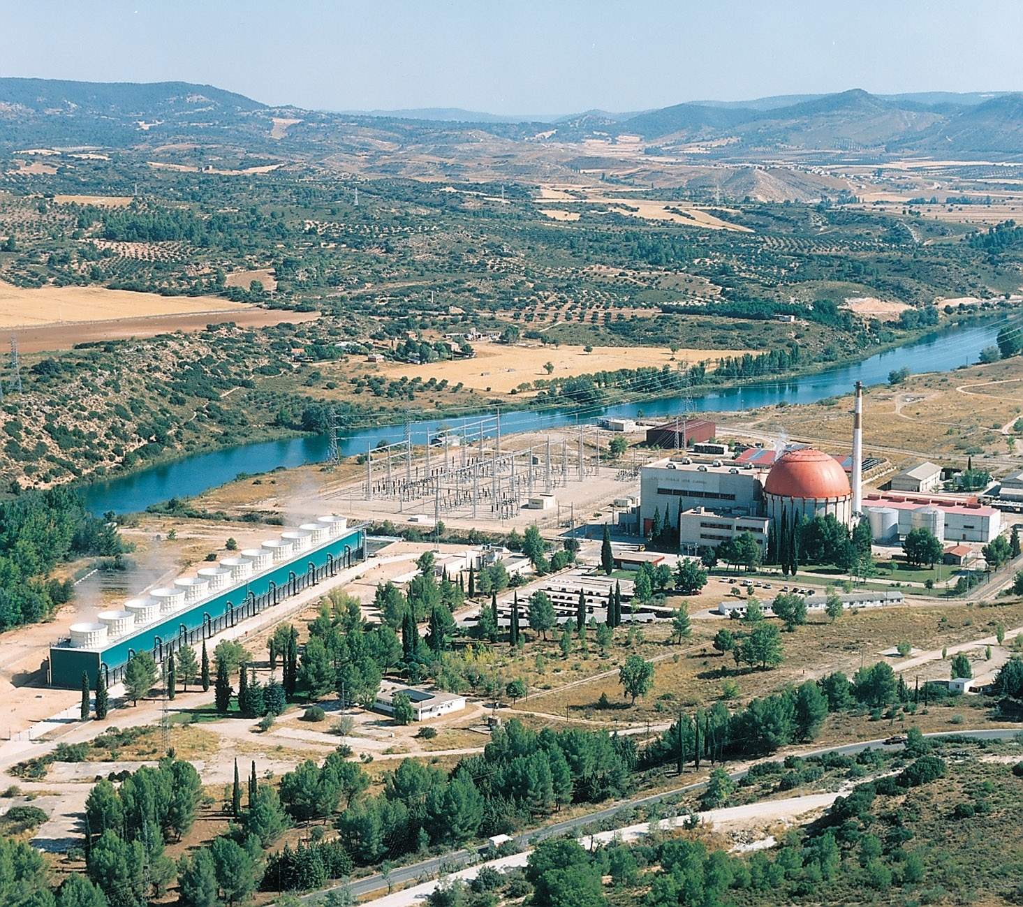 Vivir cerca de centrales nucleares no aumenta el riesgo de leucemia infantil