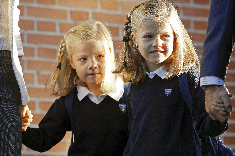 Las infantas Leonor y Sofía comienzan un nuevo curso en su colegio