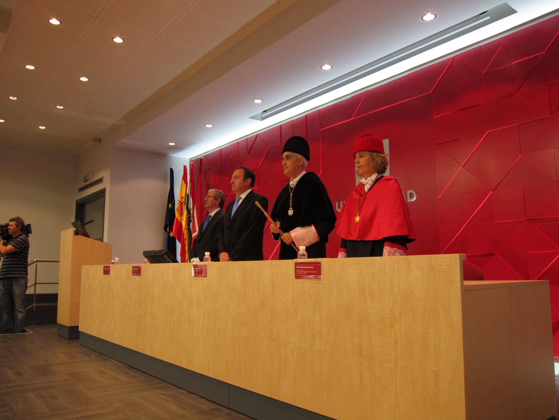 Un acto institucional abre el curso académico 2013-2014 en la Universidad de La Rioja