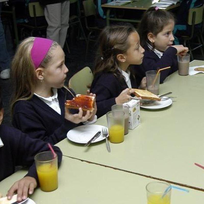 Los socialistas denuncian que tres de cada diez niños se van a la cama con hambre