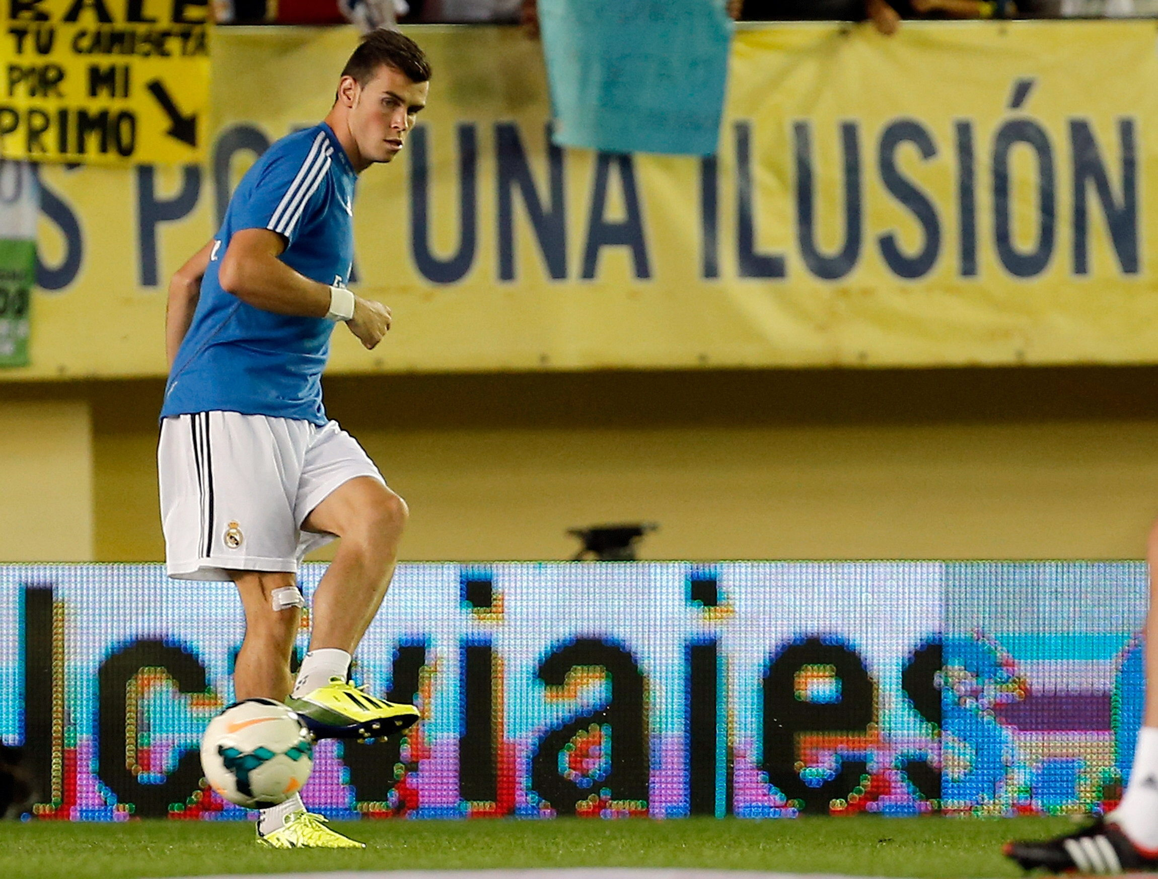 Bale marca en su debut con el Real Madrid
