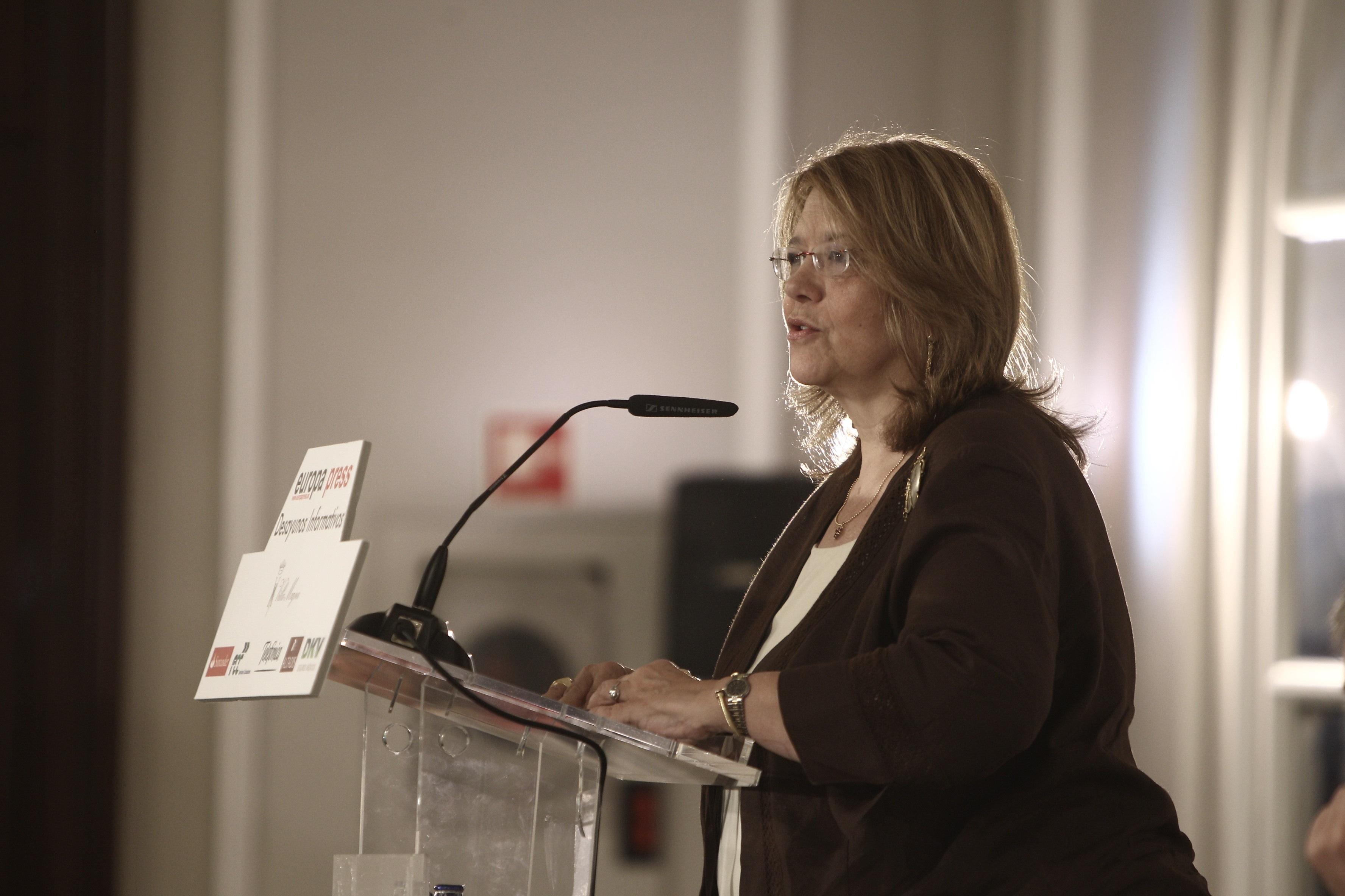 La presidenta de la CNMV se mete (ella sola) en un lío