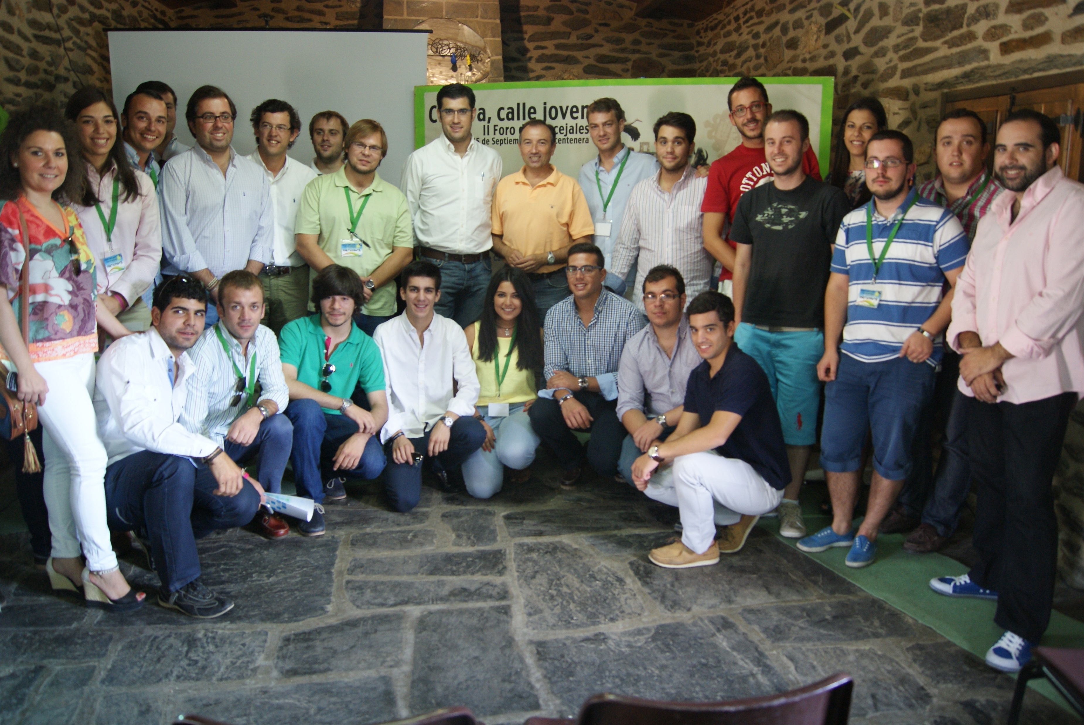 Laureano León anima a los jóvenes 'populares' a que transmitan el proyecto del PP desde la «eficacia y honradez»