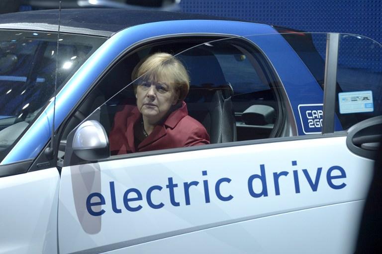 Mayoría absoluta crucial para Merkel en Baviera a una semana de las generales