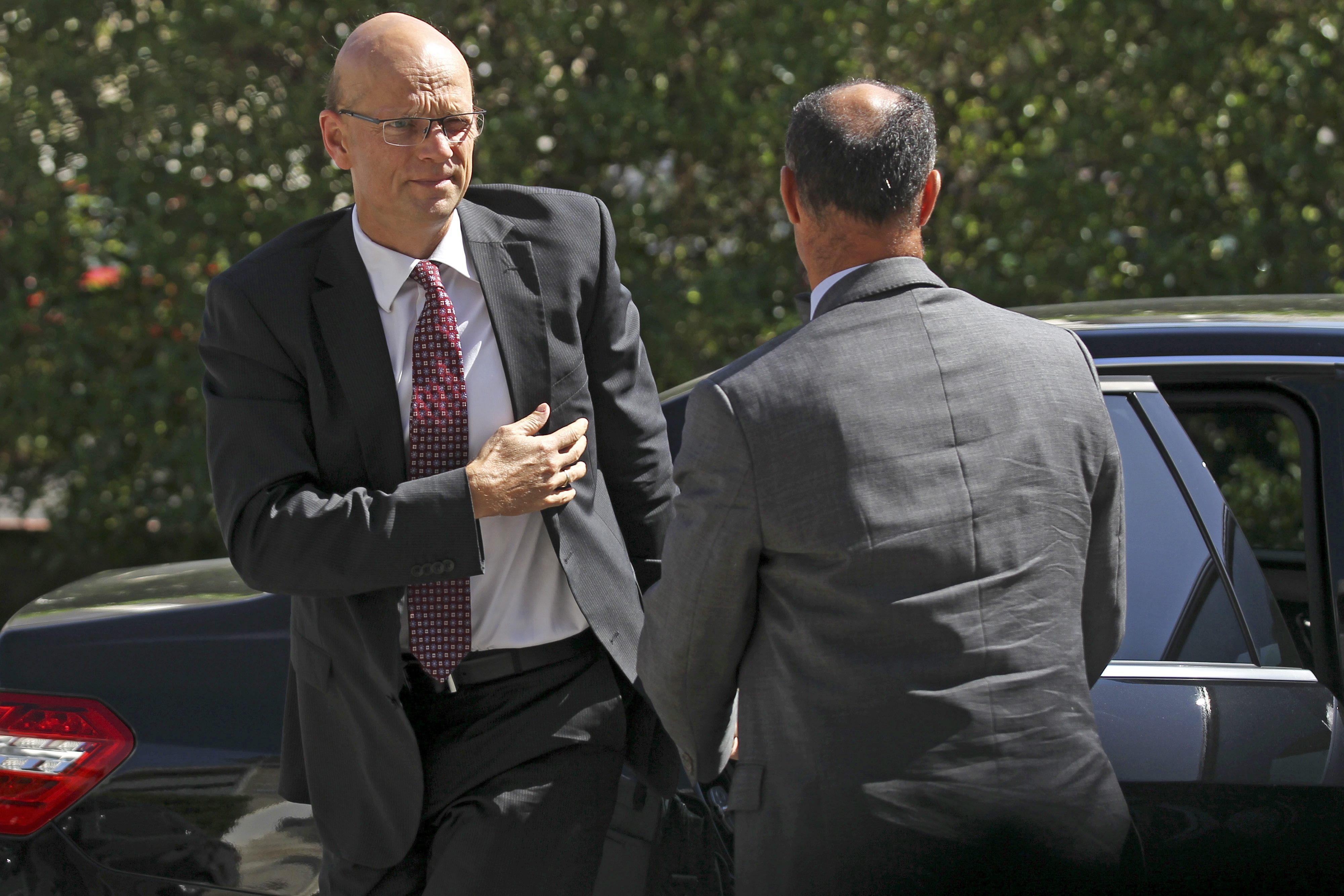 Empresarios y sindicatos lusos critican la falta de respuestas de la troika