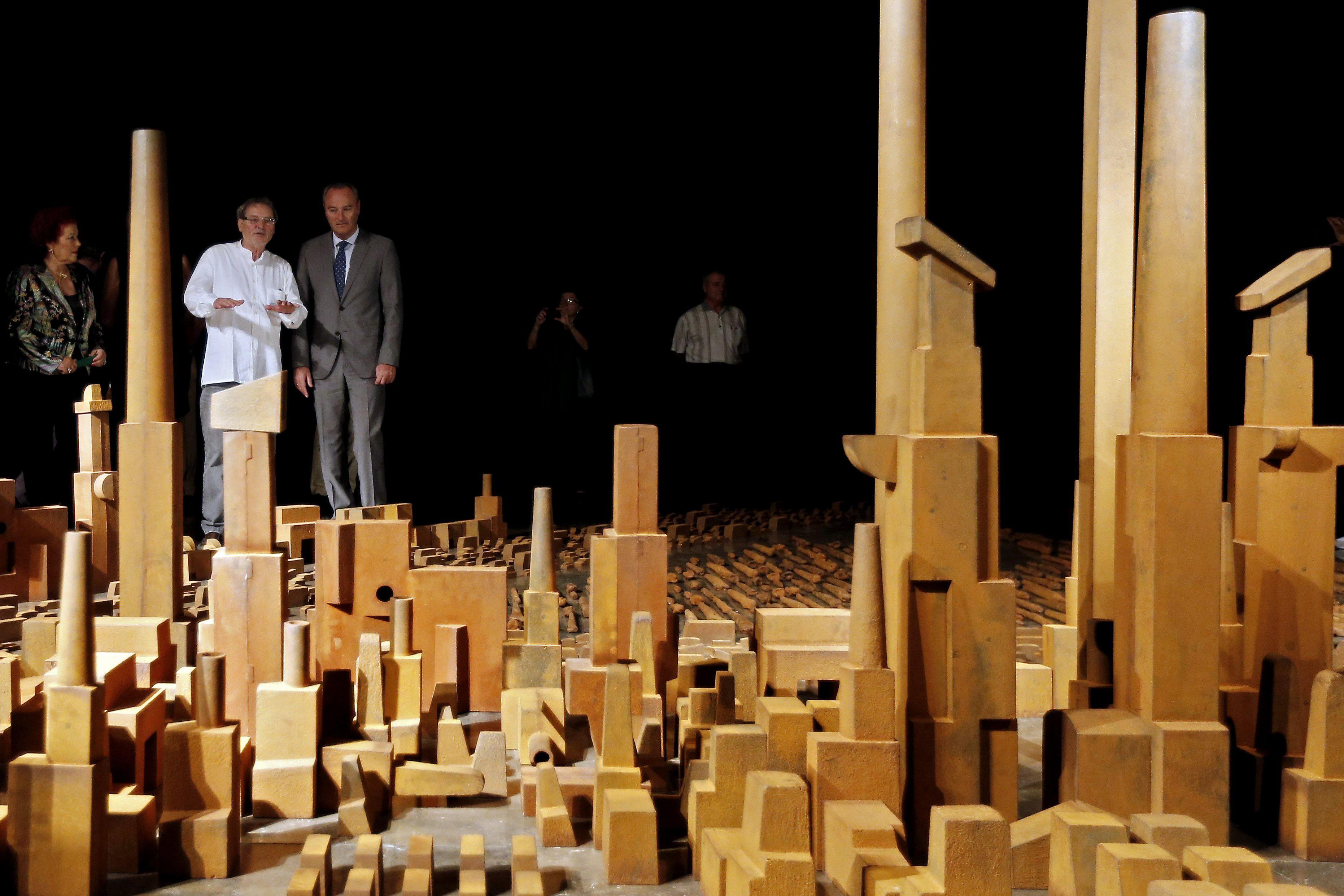 El IVAM dedica una sala a los 40 años de creación artística de Miquel Navarro