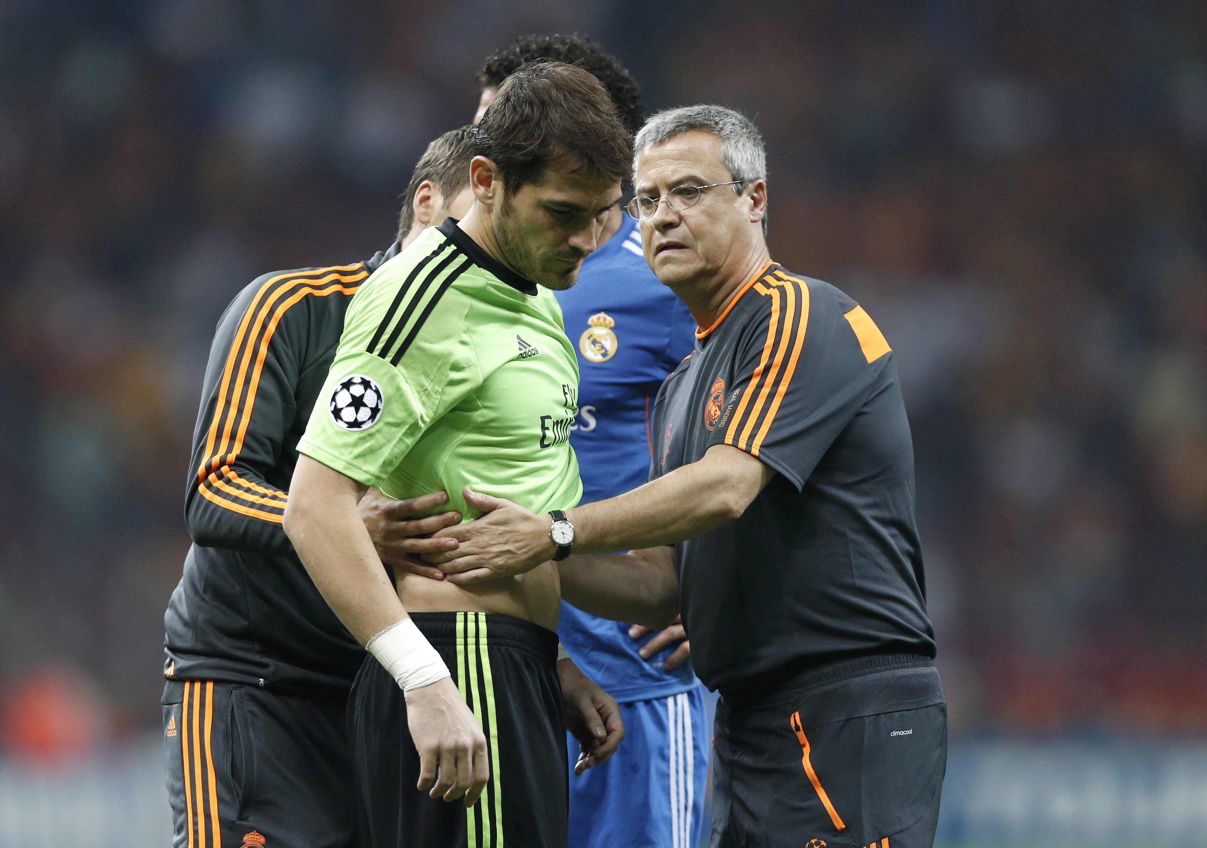 Casillas podría sufrir una fisura costal y se descarta una rotura