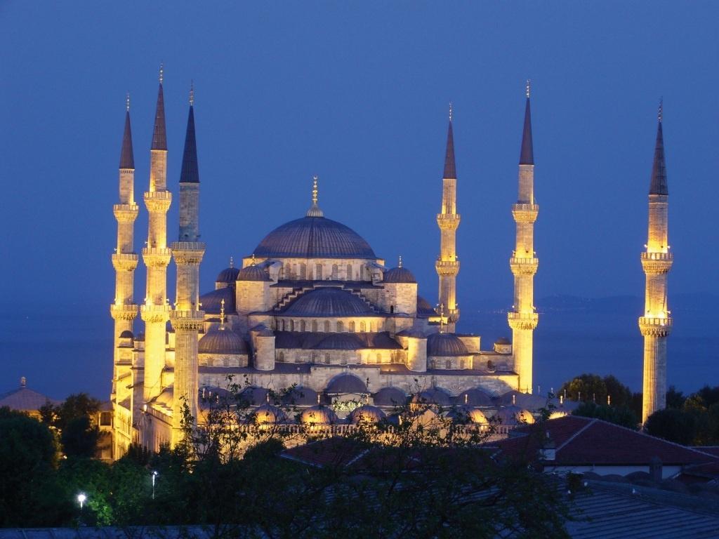 El Ayuntamiento y »Turkish Airlines» negocian este miércoles la creación de una ruta Sevilla-Estambul