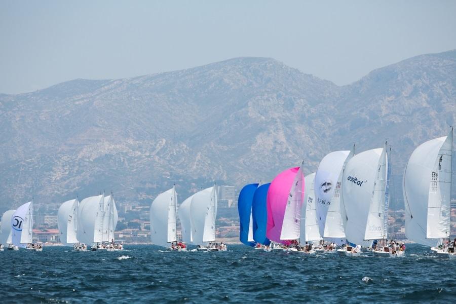 (Previa) Una treintena de J80 buscan el título de campeón de España en aguas de Cádiz