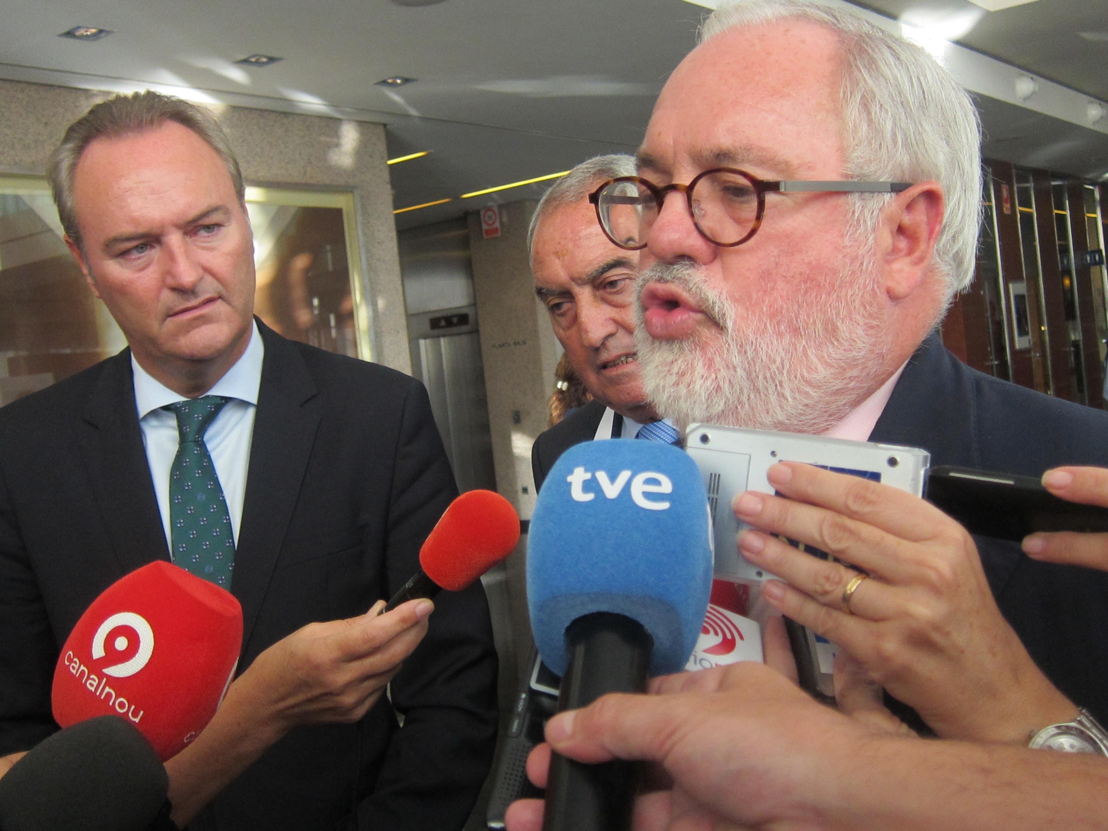 Agua- Cañete dice estar «absolutamente seguro» de que habrá acuerdo sobre el Plan del Tajo pero admite que «no es fácil»