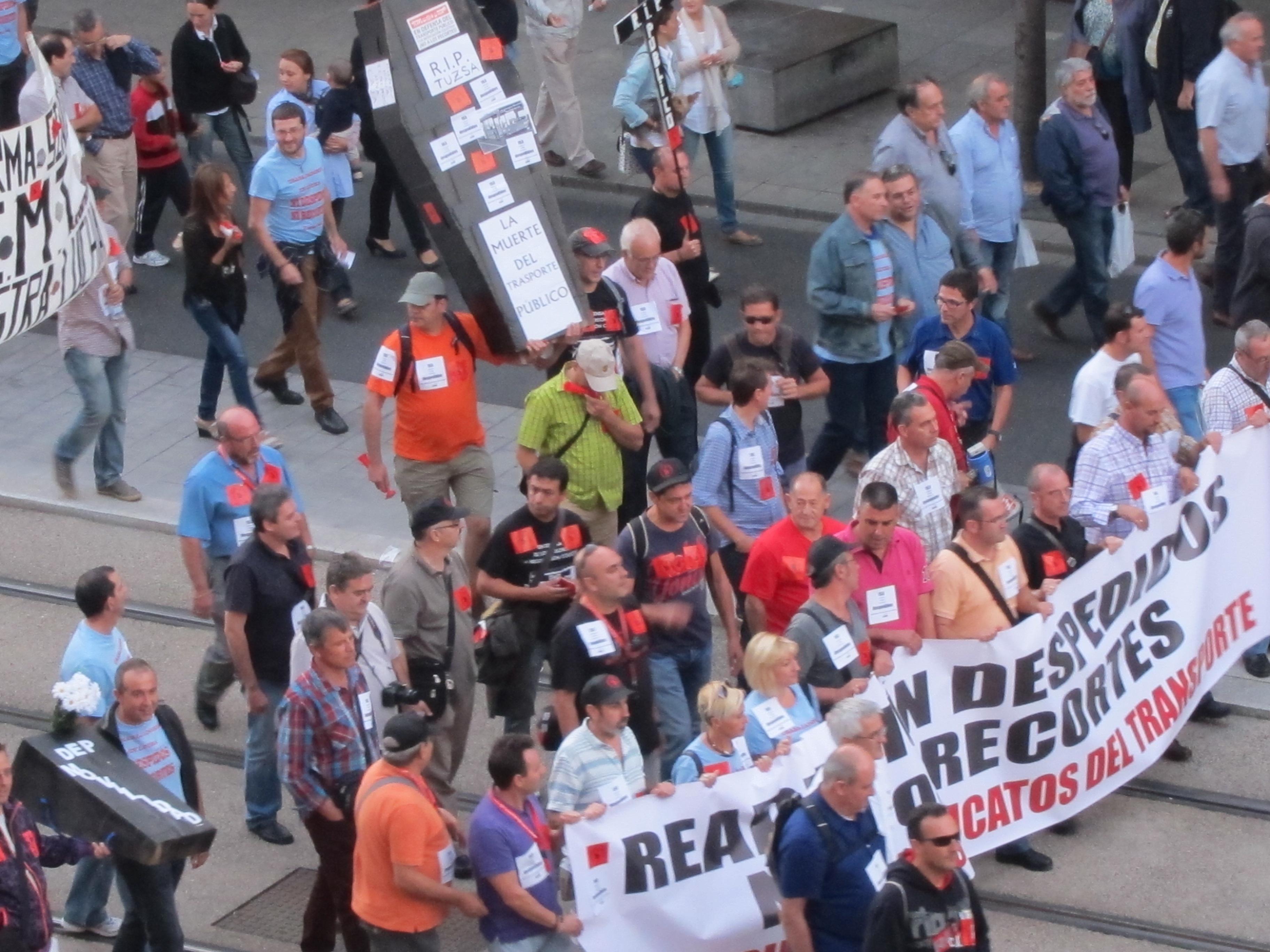 Comité empresa AUZ pide Ayuntamiento que obligue a ADO a subrogar toda la plantilla y cumplir normas laborales