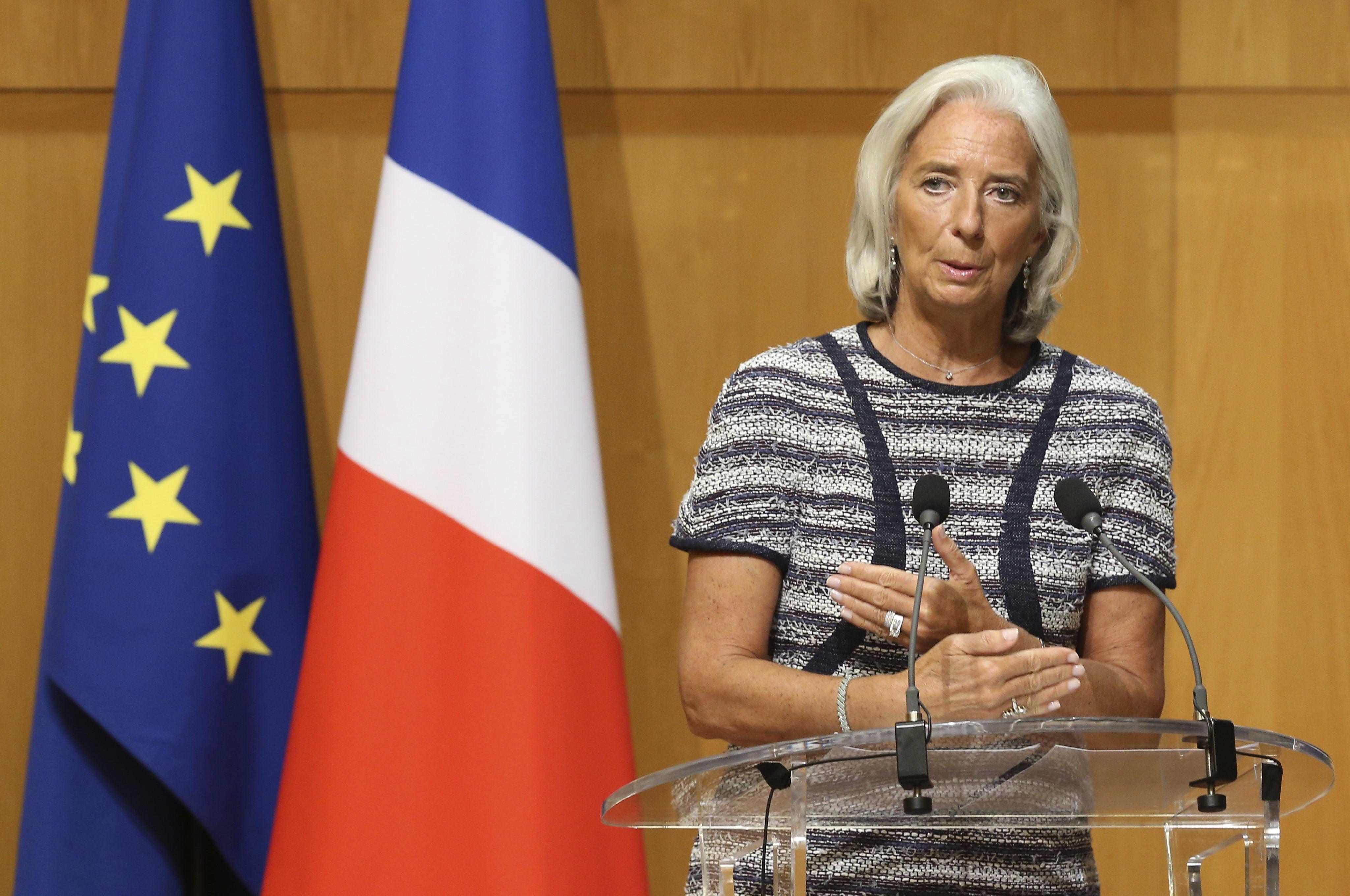 Lagarde observa mejoría en las economías avanzadas y desaceleración en las emergentes