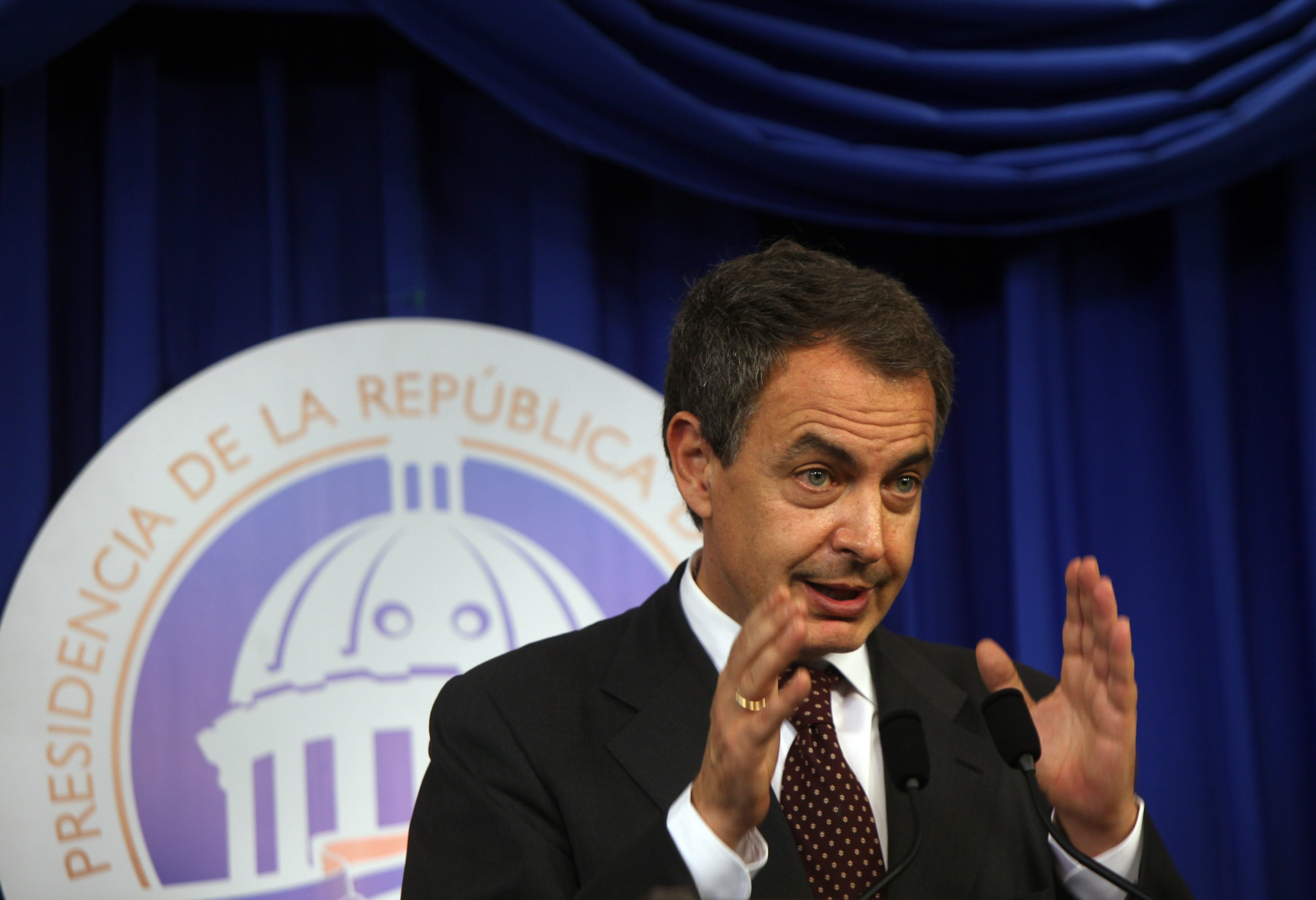 Rodríguez Zapatero dice que lo de Cataluña debe tratarse en un «diálogo muy amplio»