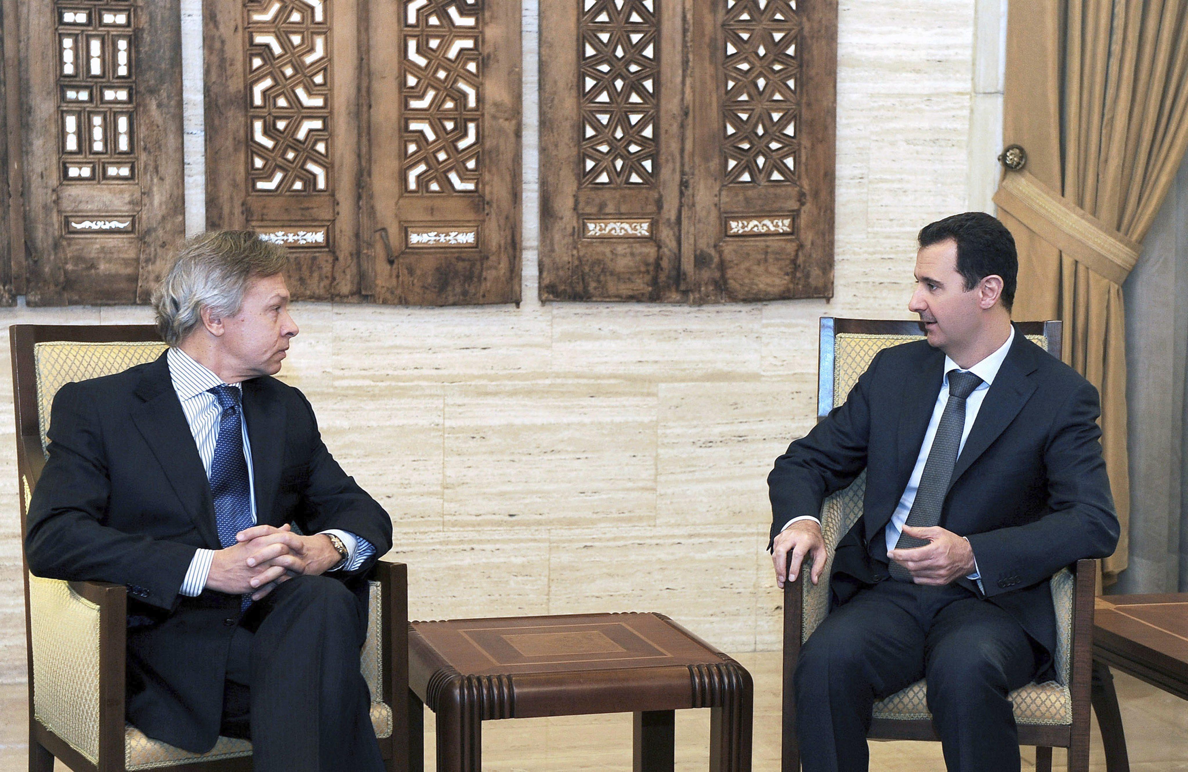 Al Assad dice que necesita un año y mil millones de dólares para destruir las armas químicas sirias