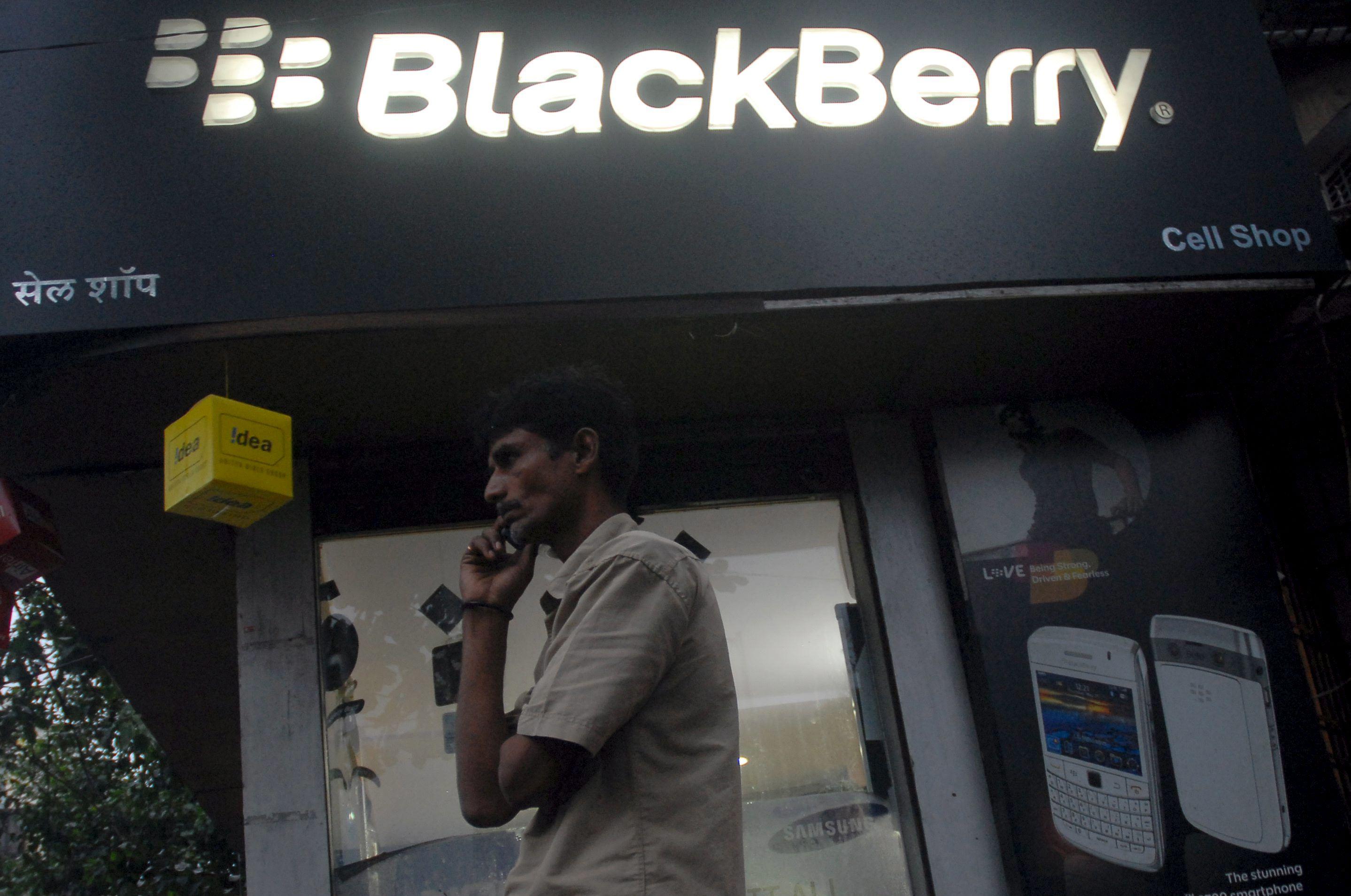 BlackBerry despedirá a 4.500 empleados y prevé 1.000 millones de pérdidas