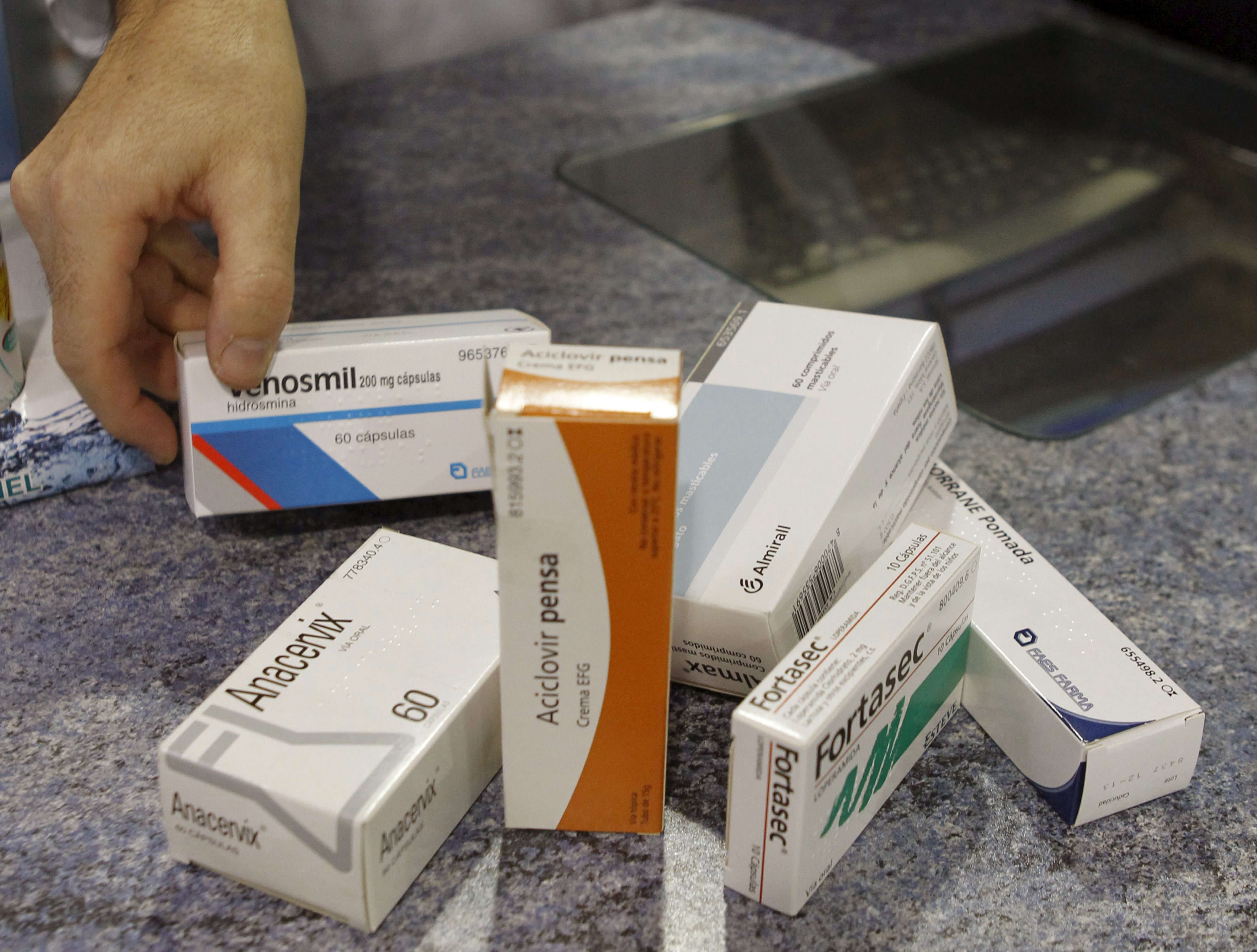 Madrid aplicará el »copago» en algunos fármacos dispensados en los hospitales