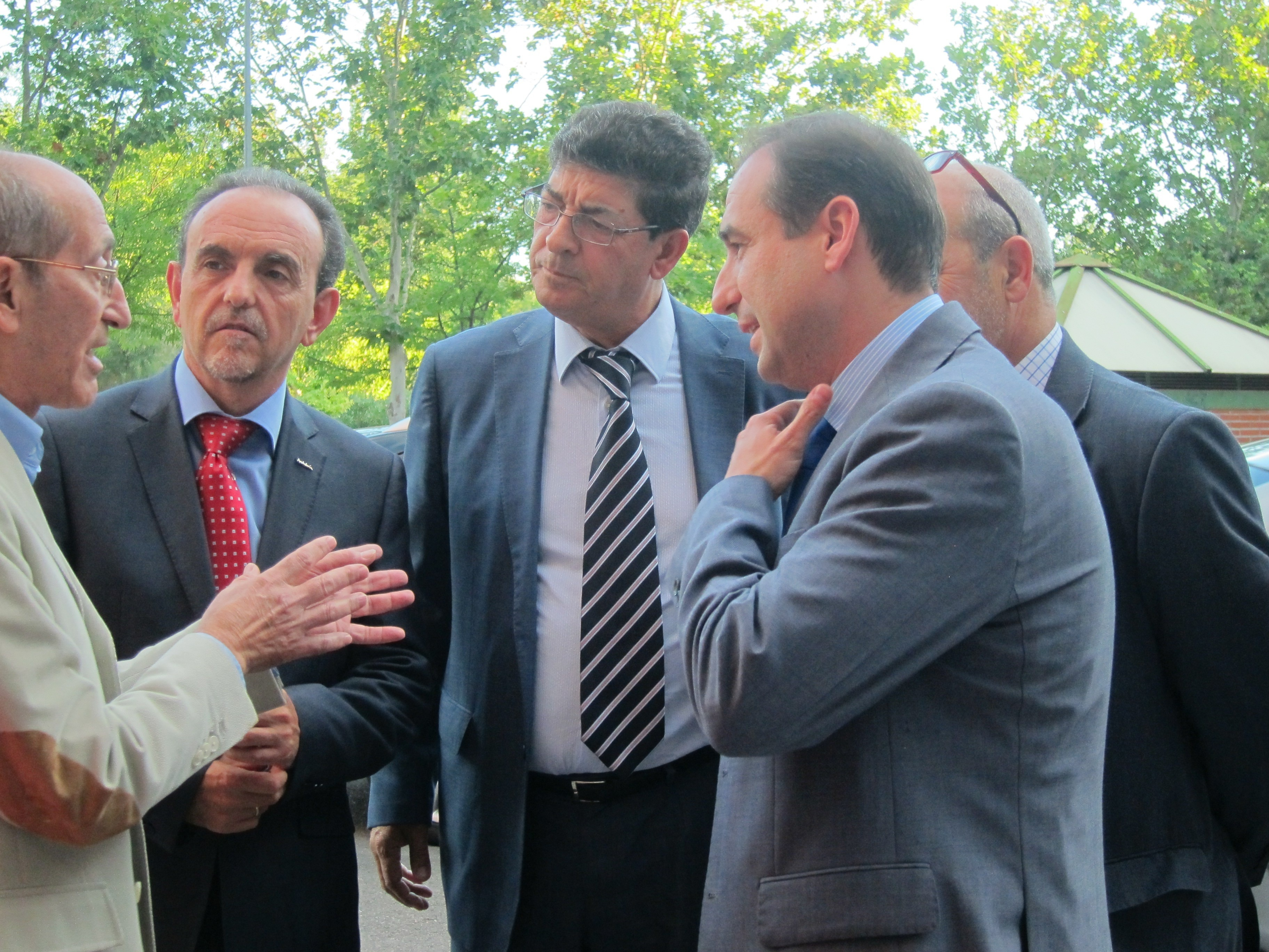 Valderas dice que la Junta analizará el nuevo copago farmacéutico de cara a un recurso de inconstitucionalidad