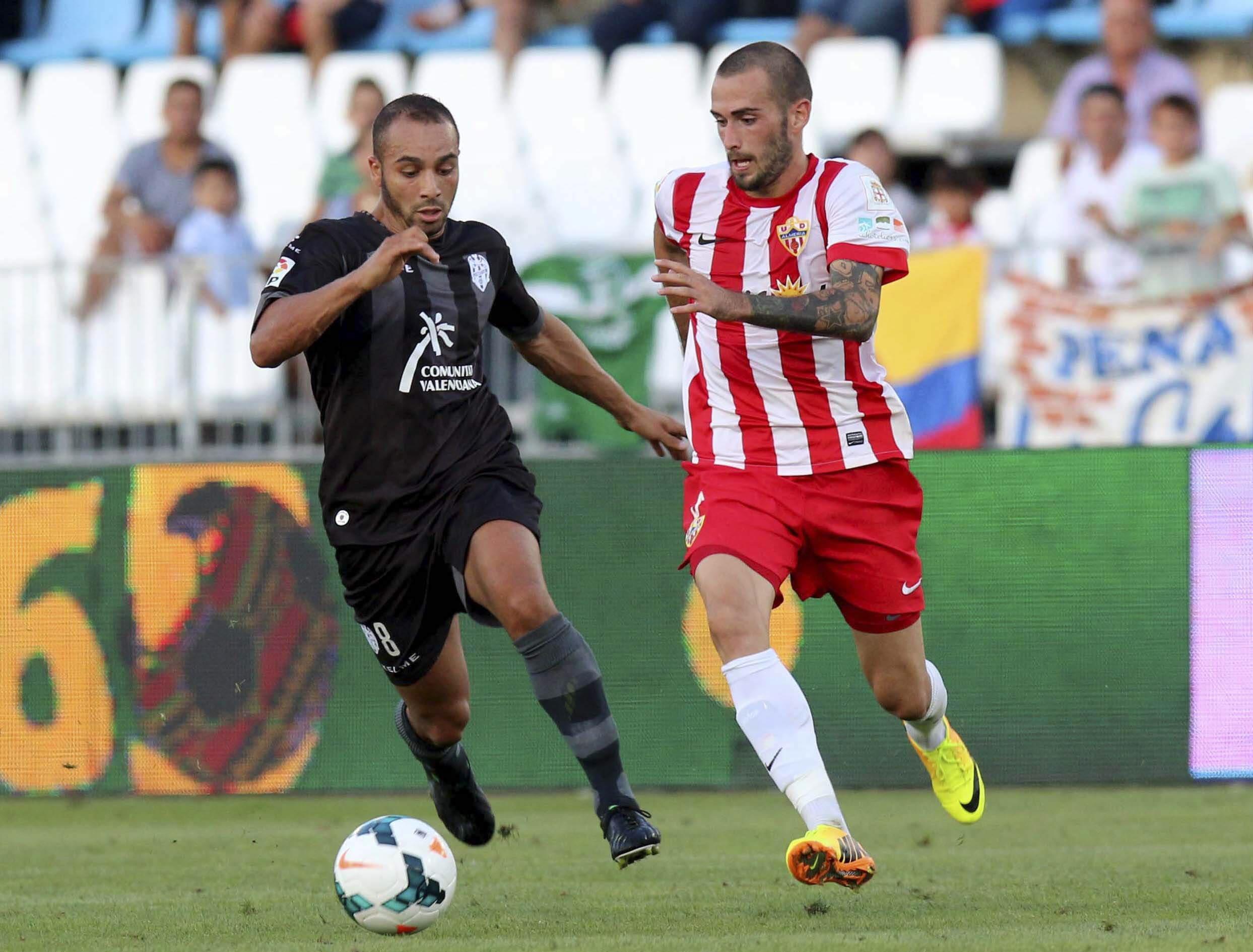 2-2. El Levante remonta un 2-0 ante un Almería que no sabe ganar