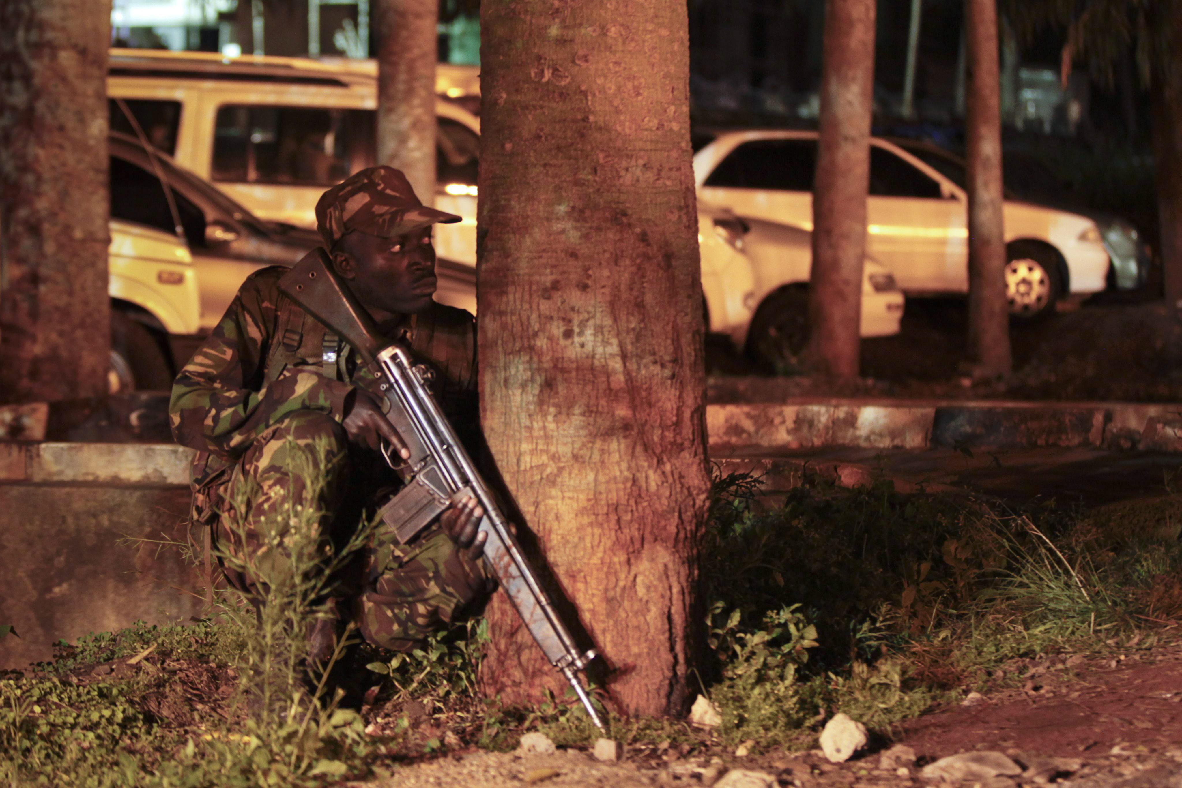 Un miembro de Al Shabab muere tras recibir disparos en el asalto de Nairobi