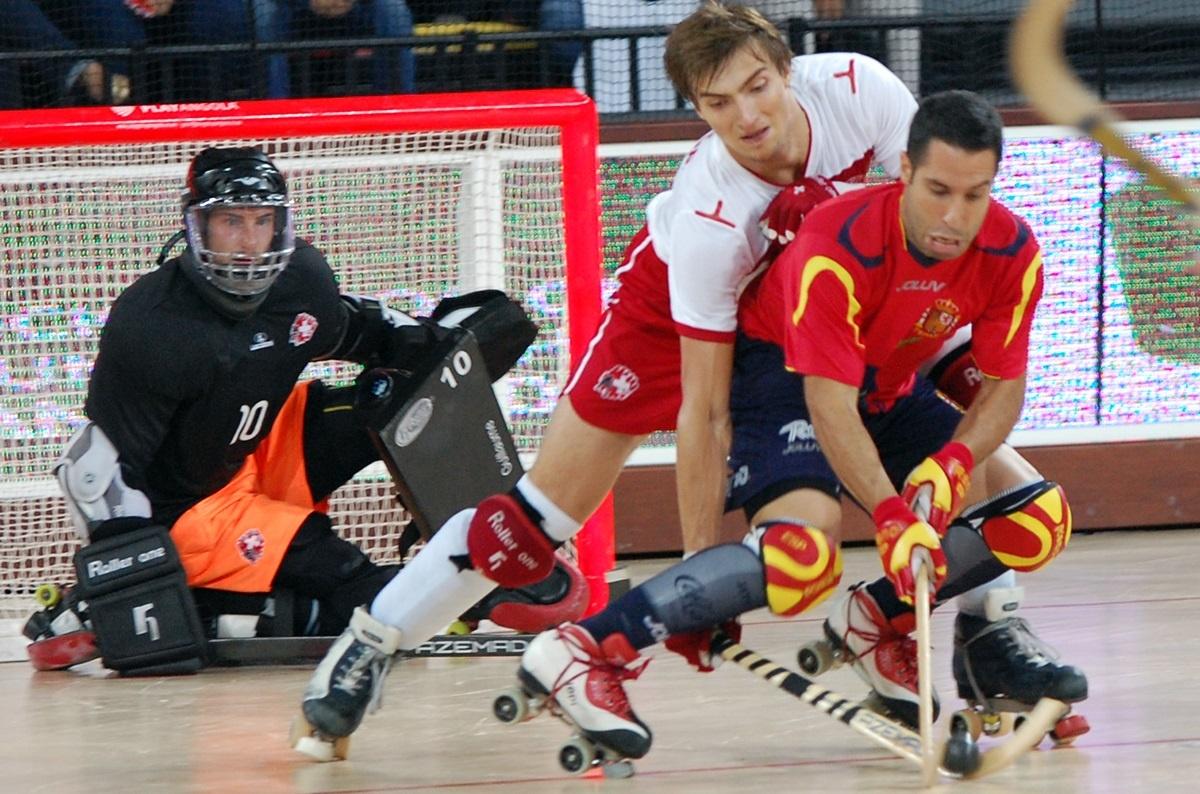España derrota a Suiza (9-1) en su debut