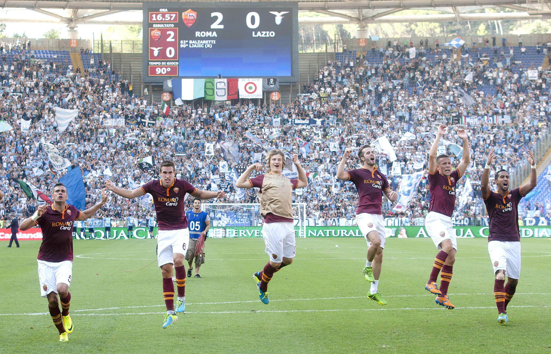 El Roma gana el derby al Lazio y Llorente y Tévez dan la victoria al Juventus