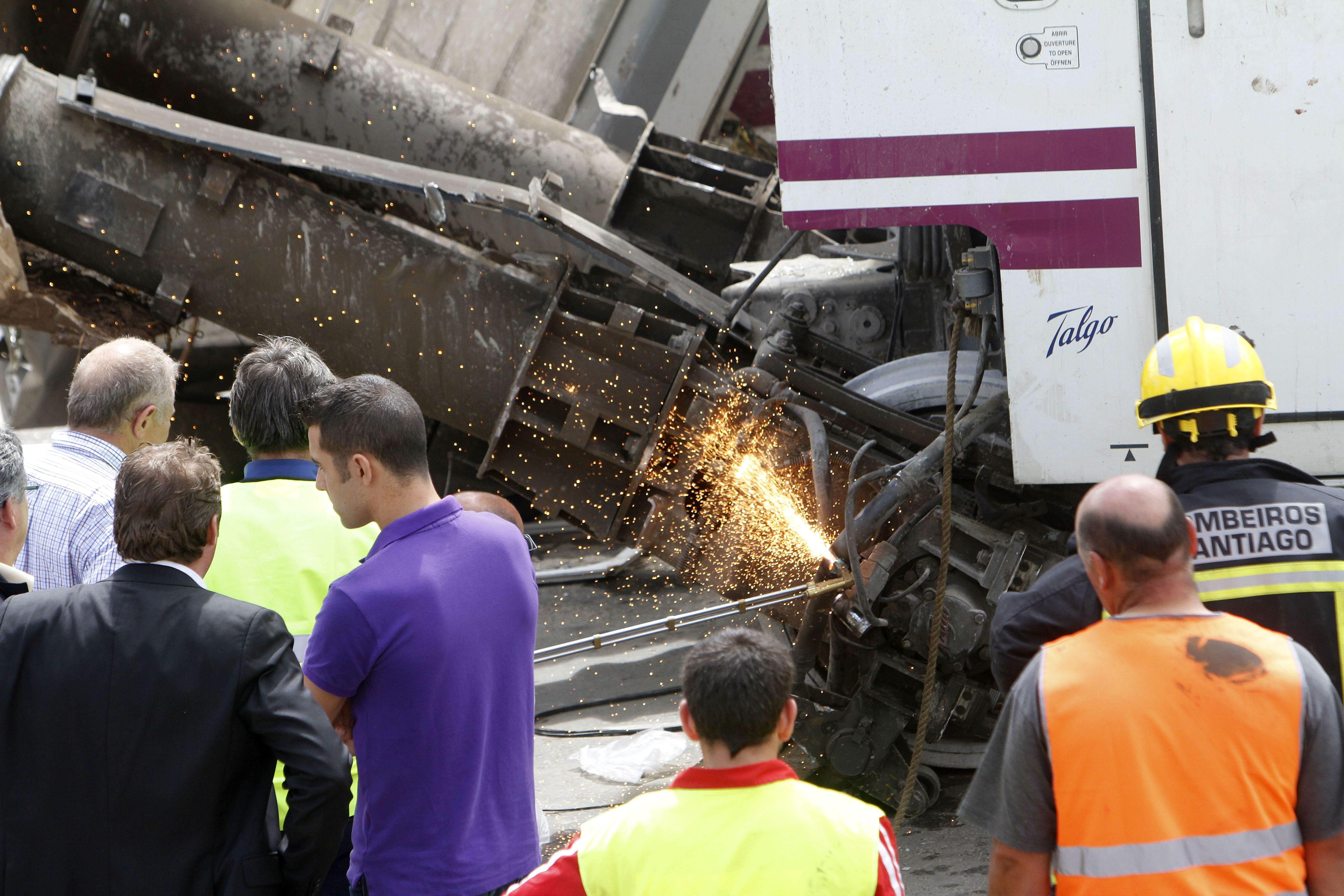 Dos meses después siguen hospitalizados 5 heridos en el accidente de Santiago