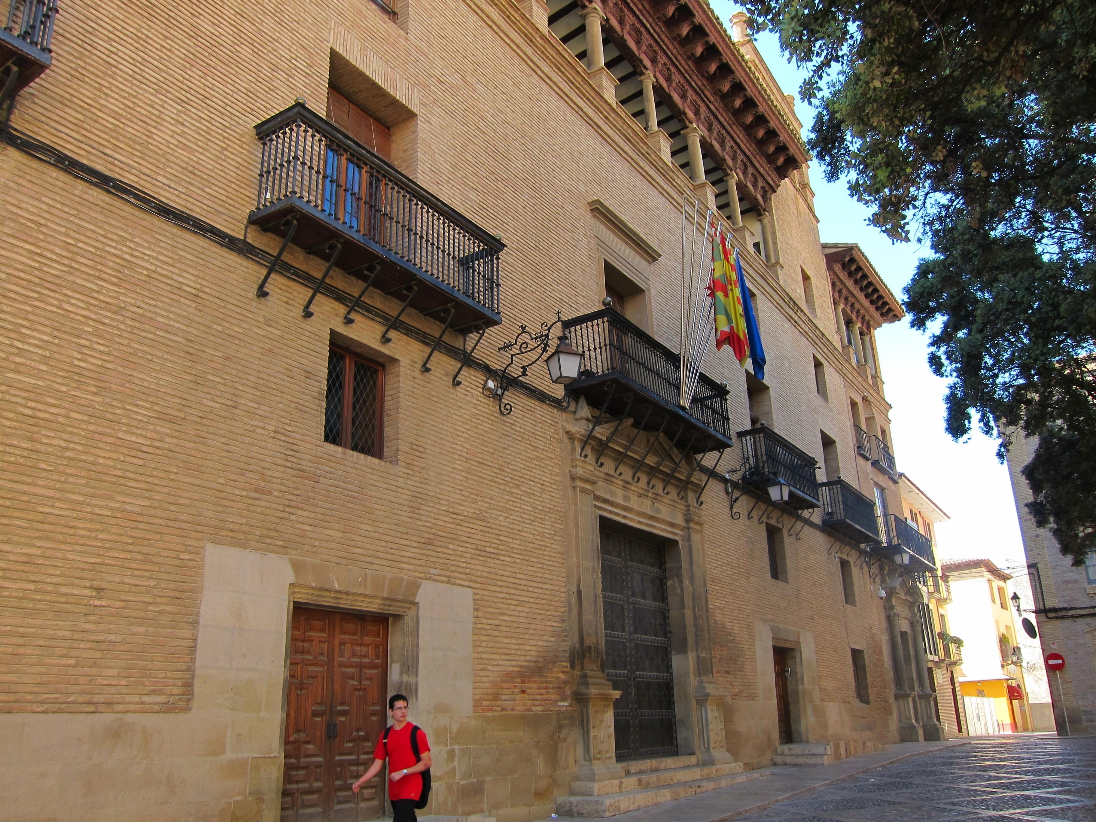 El Ayuntamiento de Huesca estudiará aumentar el tiempo de los semáforos en el tramo Juan XXIII y Vicente Campo