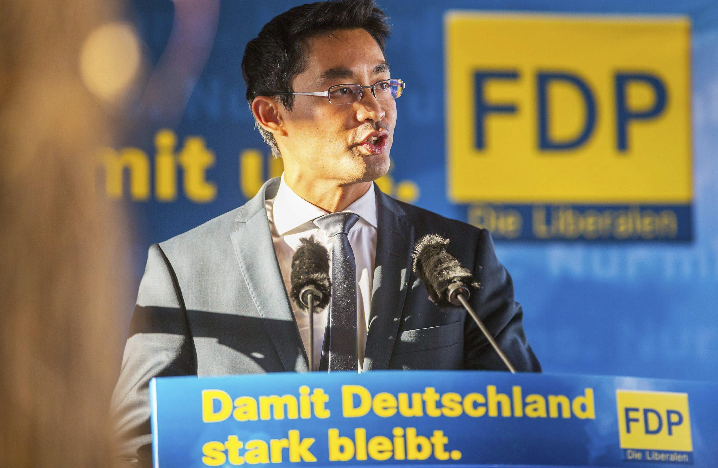 Dimite el presidente del Partido Liberal tras la debacle electoral