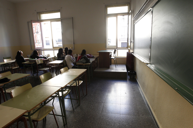 CCOO plantea un conflicto colectivo por «fraude» en la contratación de profesores