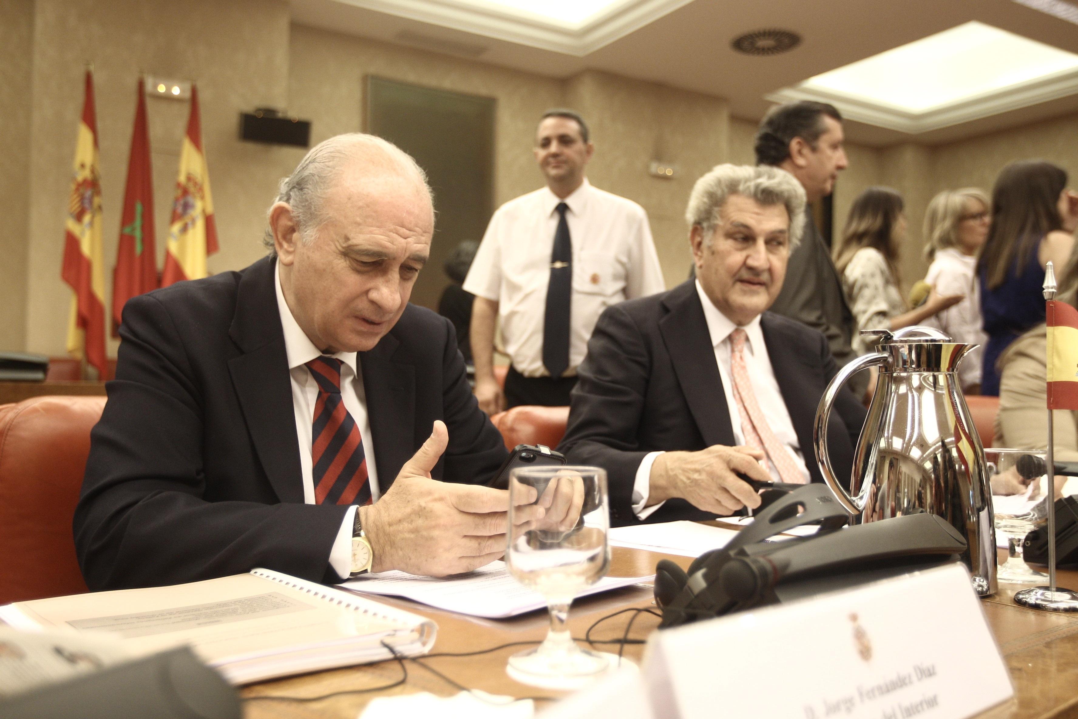 Jorge Fernández dice que la unidad afecta a la «esencia de España» y no puede votar solo Catalunya