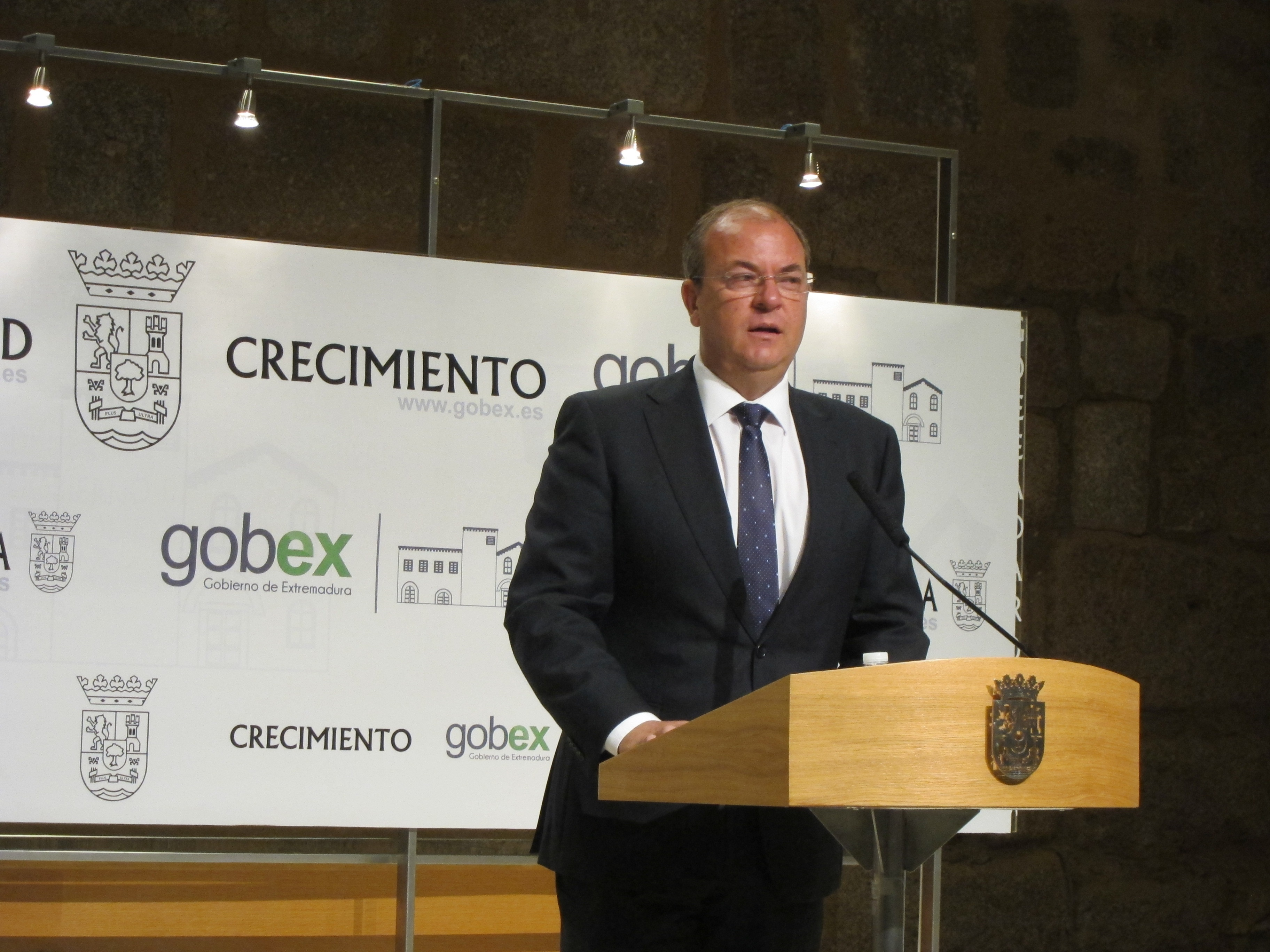 Monago agradece la «valentía» de empresas extremeñas que apuestan por exportación de sus productos y servicios