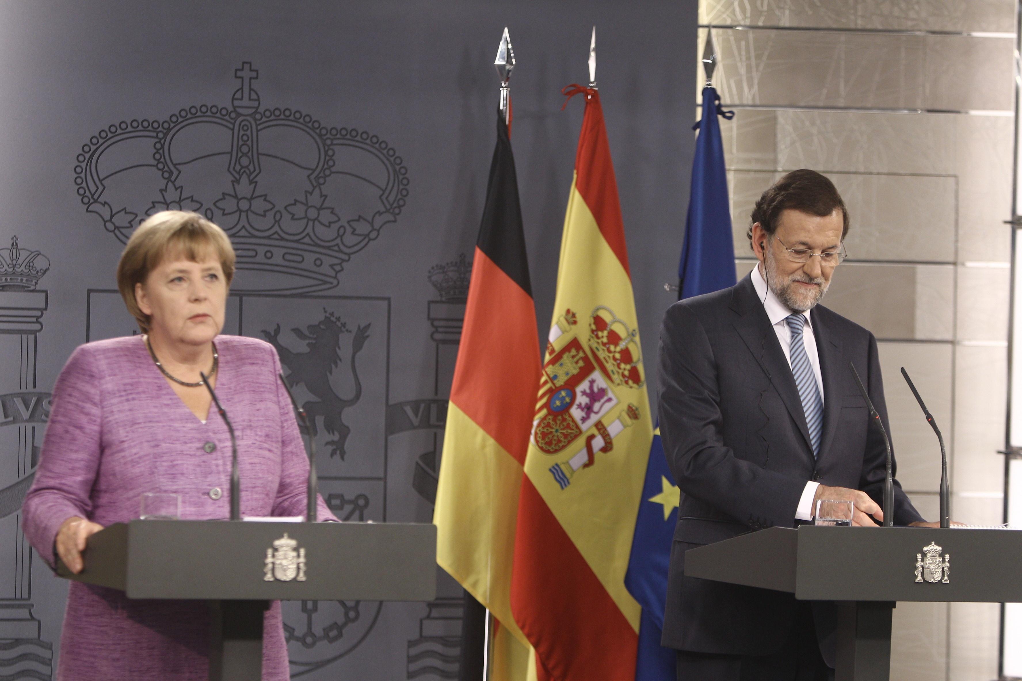 Rajoy volverá a contactar este lunes con Merkel para mantener una charla más tranquila tras su victoria electoral