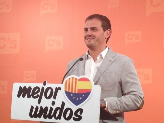 Rivera (C»s) pide reunirse con las cúpulas de PP y PSOE para forjar una alternativa al independentismo
